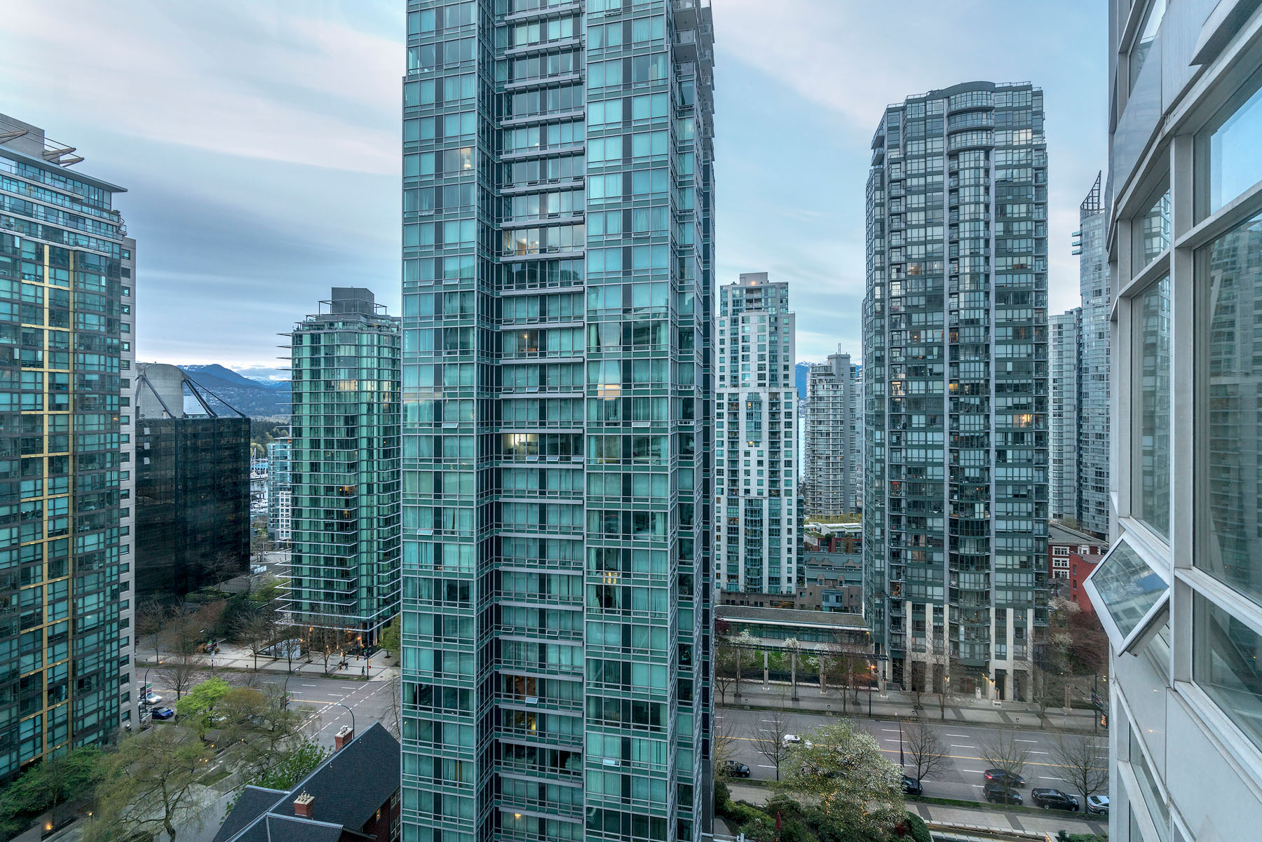 1605-1288-Alberni-Street-Vancouver-360hometours-24s.jpg