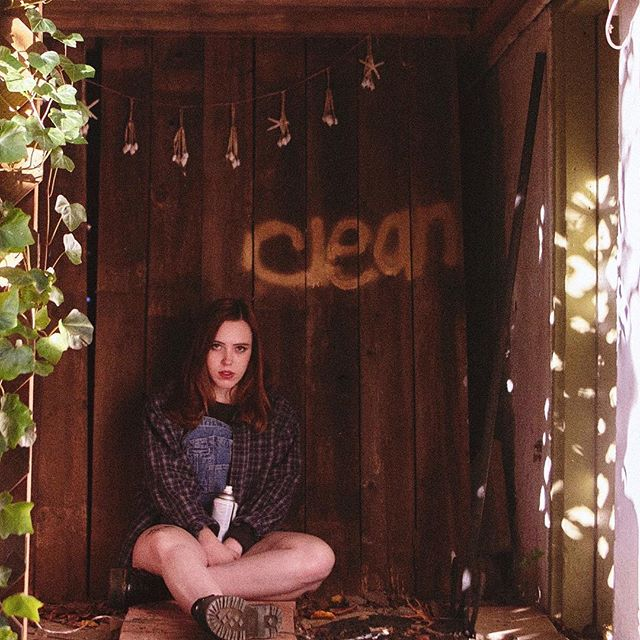 From new LP Clean, Soccer Mommy's 'Your Dog' is a defiant, vital earworm. Read/Listen in bio!🐾 For fans of Waxahatchee, Laura Stevenson, Hop Along, Palehound & more... 🔊  Tackling toxic codependency and identity loss this snapping single is an intricate cracker and we just can't stop listening to it. Do yourself a favour and do the same. 📲 Read this & more at     drunknoise.com 📝  #blog #musicblog #music #indiemusic #indie #indierock #lofi #newmusic #coverart #alternativemusic #nowplaying #nowlistening #alternativerock #musiclover #bands #vinylart #vinylcover #albumcover #album #albumart #singersongwriter #instamusic #womeninart #womeninmusic #waxahatchee #hopalong #soccermommy