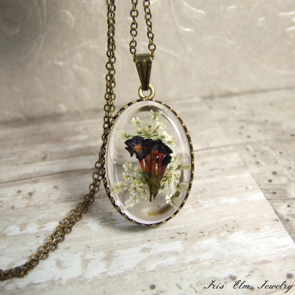 Pretty White & Purple Wildflower Necklace