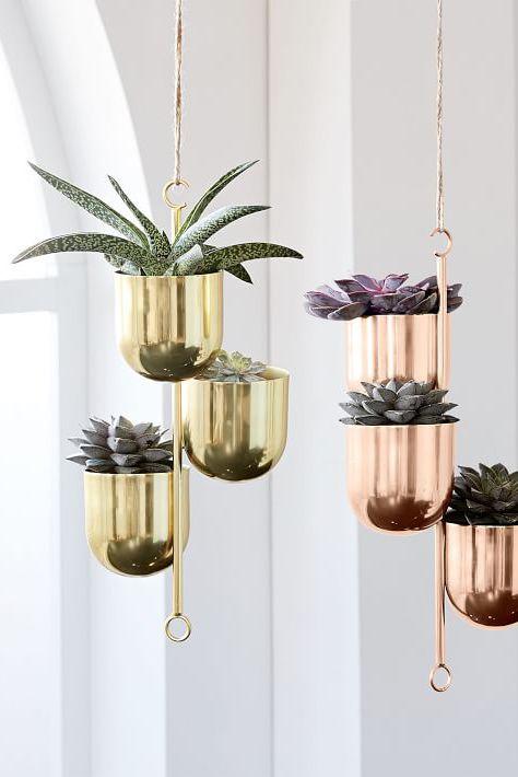 Elle Deocr vertical-garden-ideas-10-1552928219.jpg