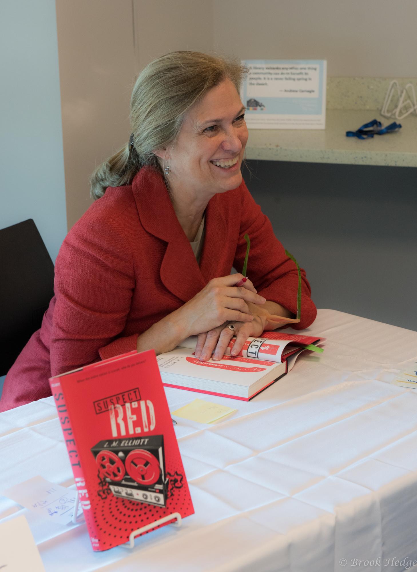 Book Signing Elliott Red