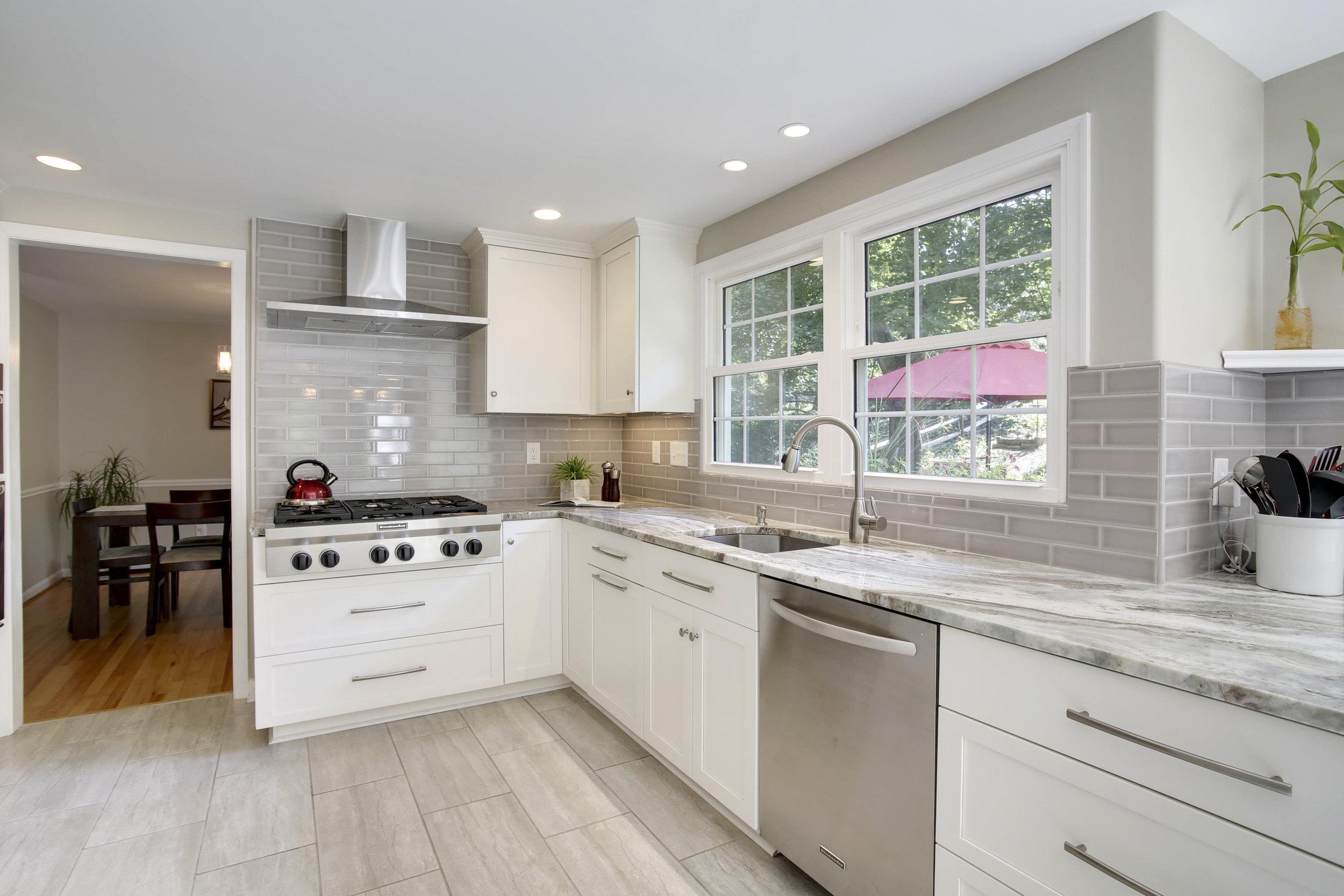 Main Level-Kitchen-_C9A4527.JPG