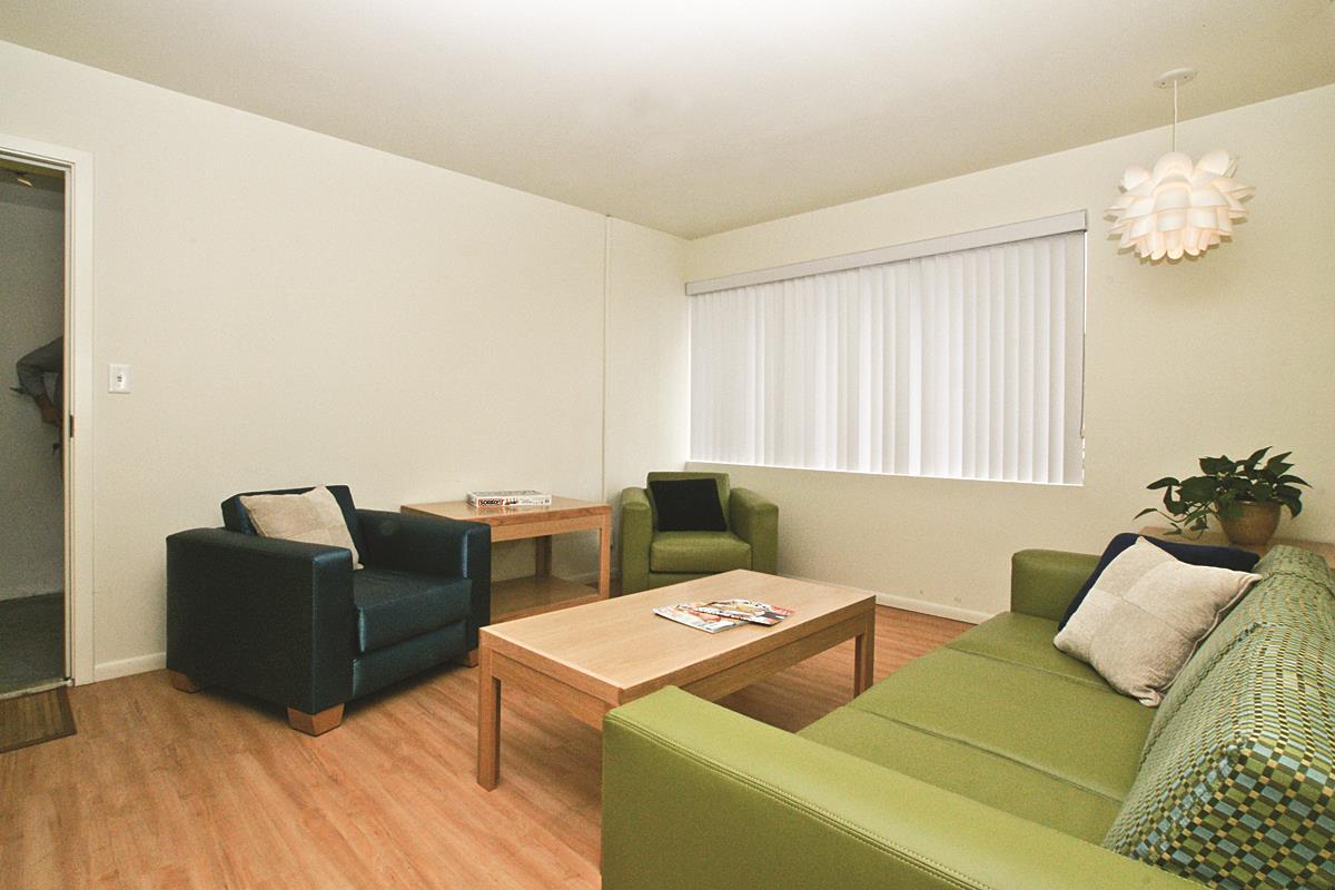 Living Room_Fontainebleu300cmyk.jpg