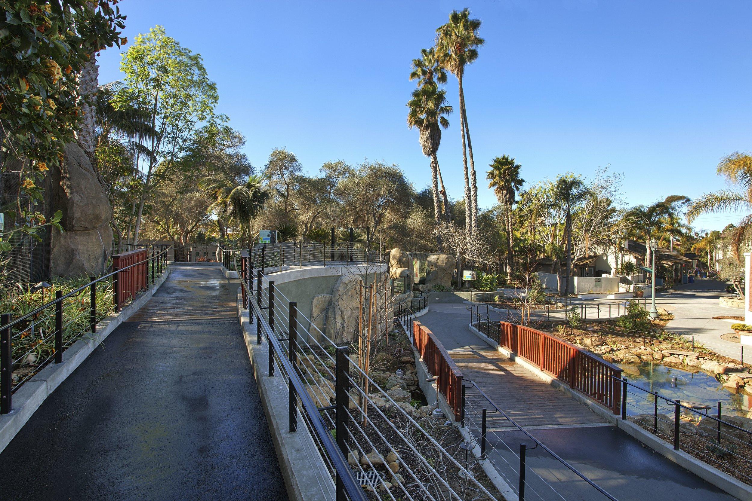 Zoo Walkway.jpg