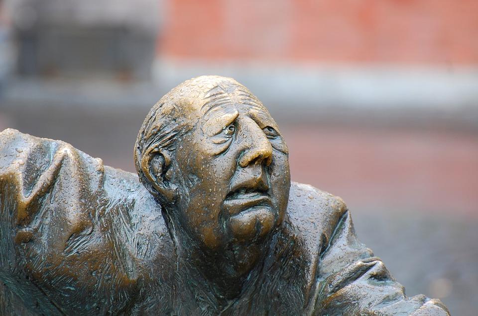 Face-Ask-Aachen-Elise-Fountain-Suffering-Sculpture-1190352.jpg