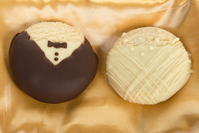 Bride & Groom Shortbread 2.jpg
