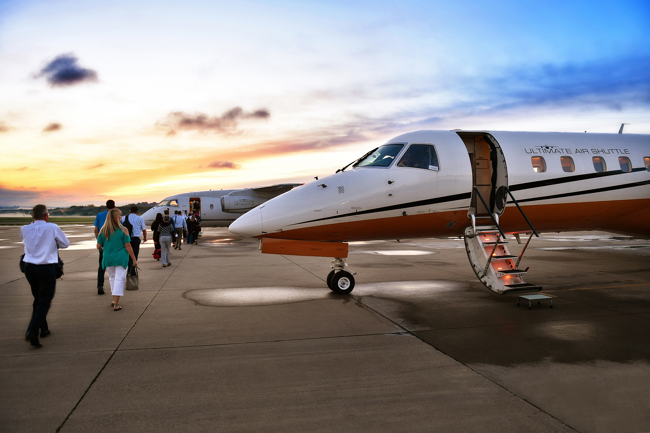 (Picture of an Ultimate Air Shuttle jet provided by Rick Pawlak)