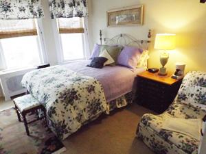 room4small.jpg