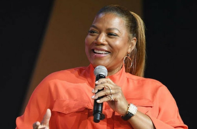 Obviously this is a picture of Queen Latifah. Funnily enough, it came up when I was searching on Google Images for a recent photo of Elissa Sloane Perry from Management Assistance Group. Elissa is one of my husband's oldest friends, and I can't wait until he finds out she moonlights as Queen Latifah because he really loves the Queen too. I can't believe he never caught on that they are the same person.