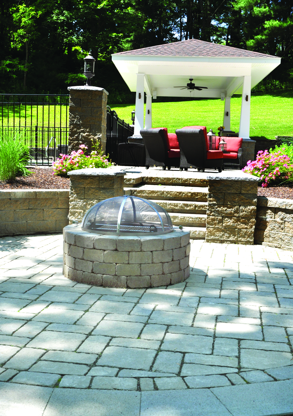 MUNICH FIRE PIT IN HICKORY BLEND, WEATHERED FINISH