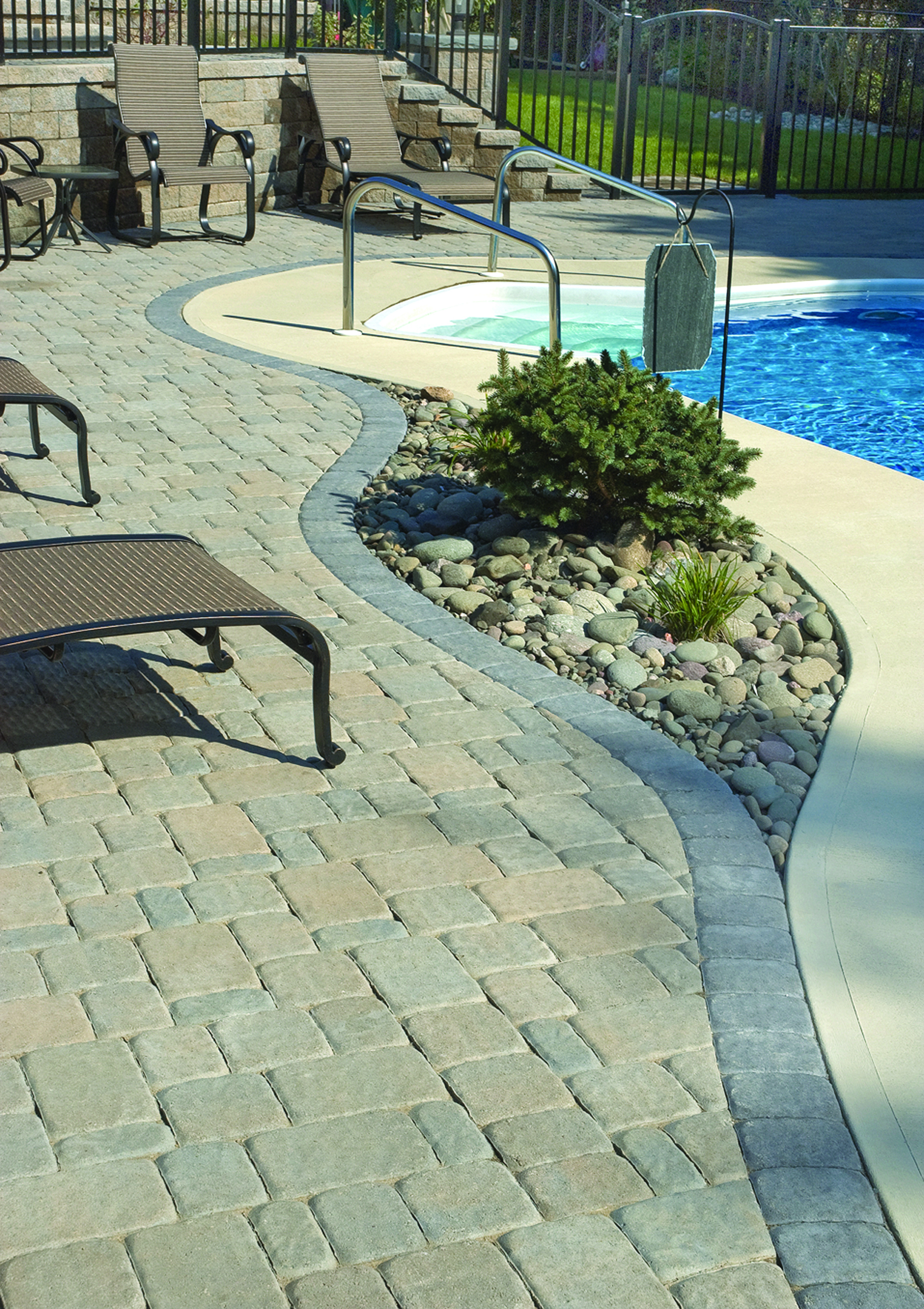 ROMAN COBBLE IN HICKORY BLEND