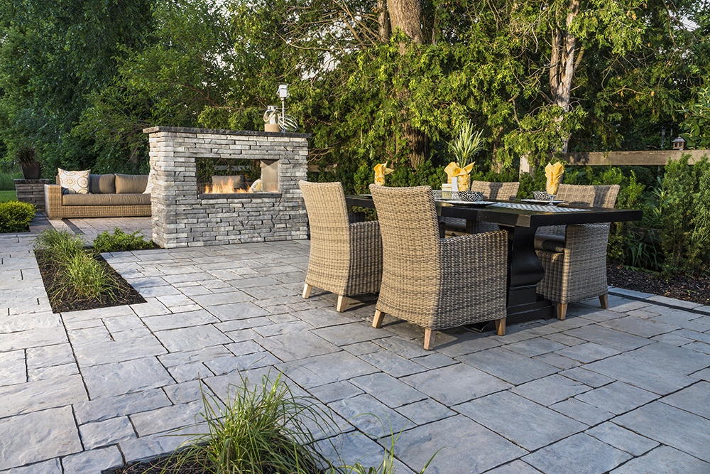 THORNBURY PATIO IN ALMOND GROVE, RIVERCREST FIRE FEATURE IN COASTAL SLATE