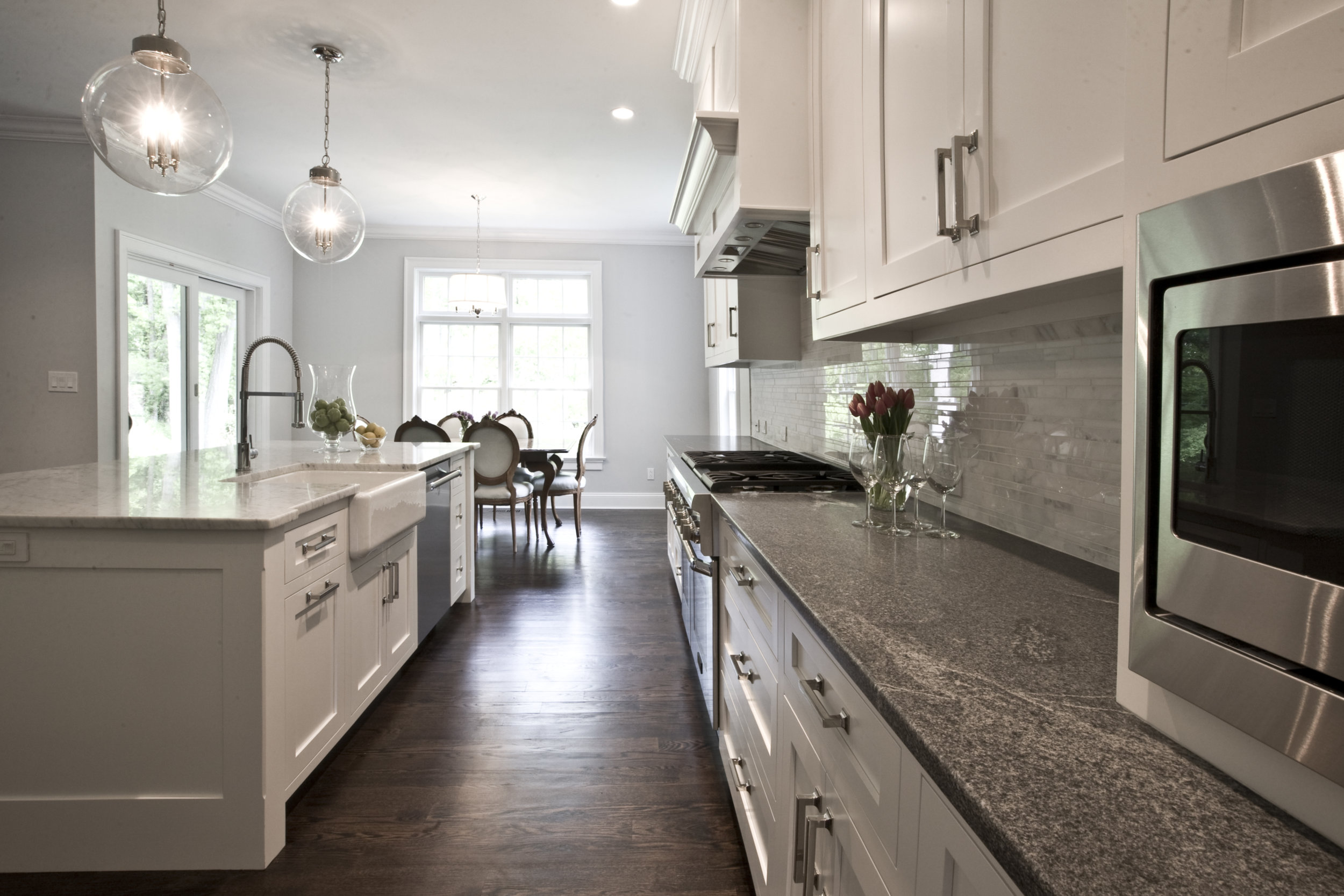 MATERIALS USED: SOAPSTONE COUNTER, CARERRA MARBLE ISLAND