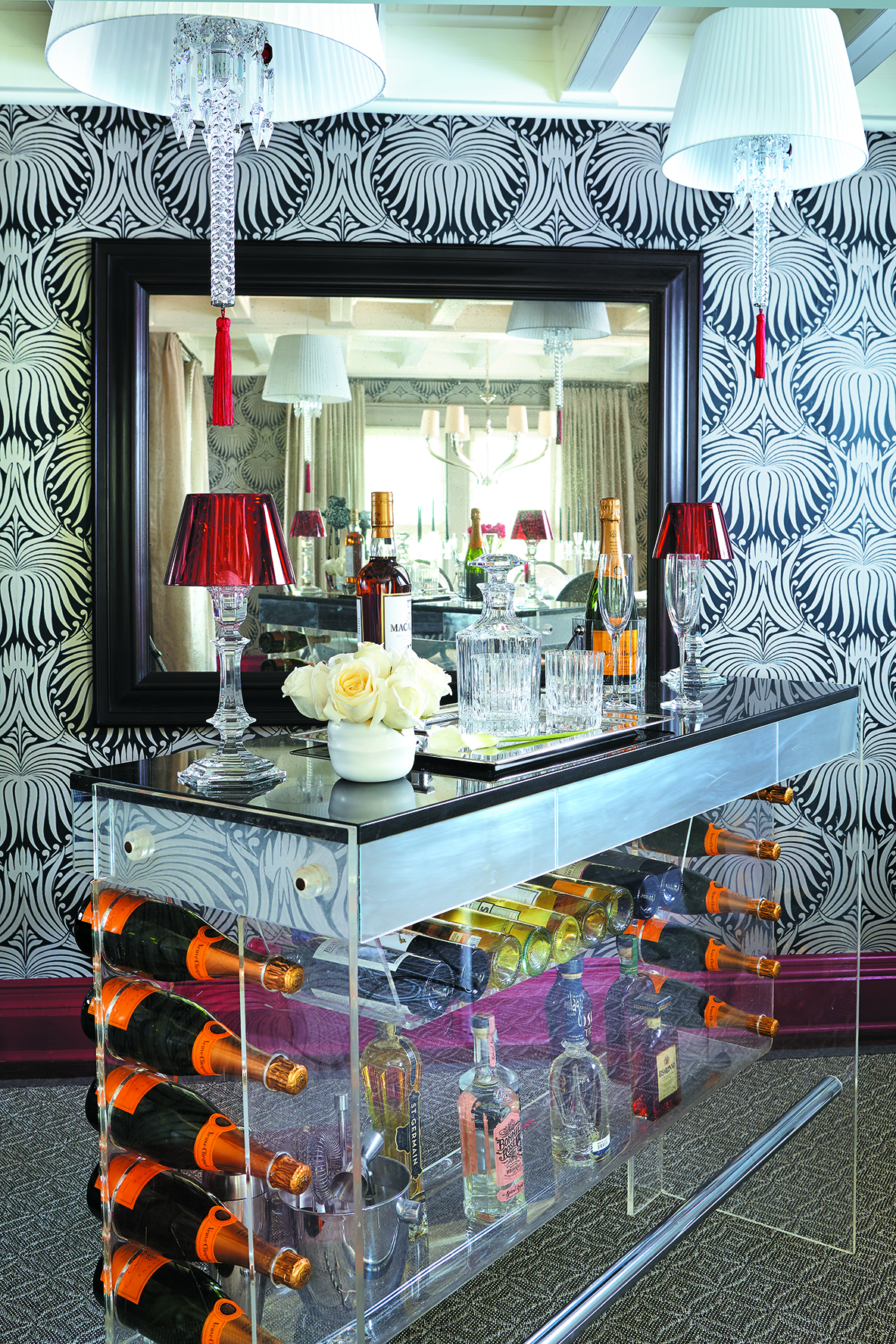 MATERIALS USED: ABSOLUTE BLACK GRANITE BAR TOP, POLISHED PHOTO CREDIT: CTC&G/KEITH SCOTT MORTON AND ERIC RICHARDS