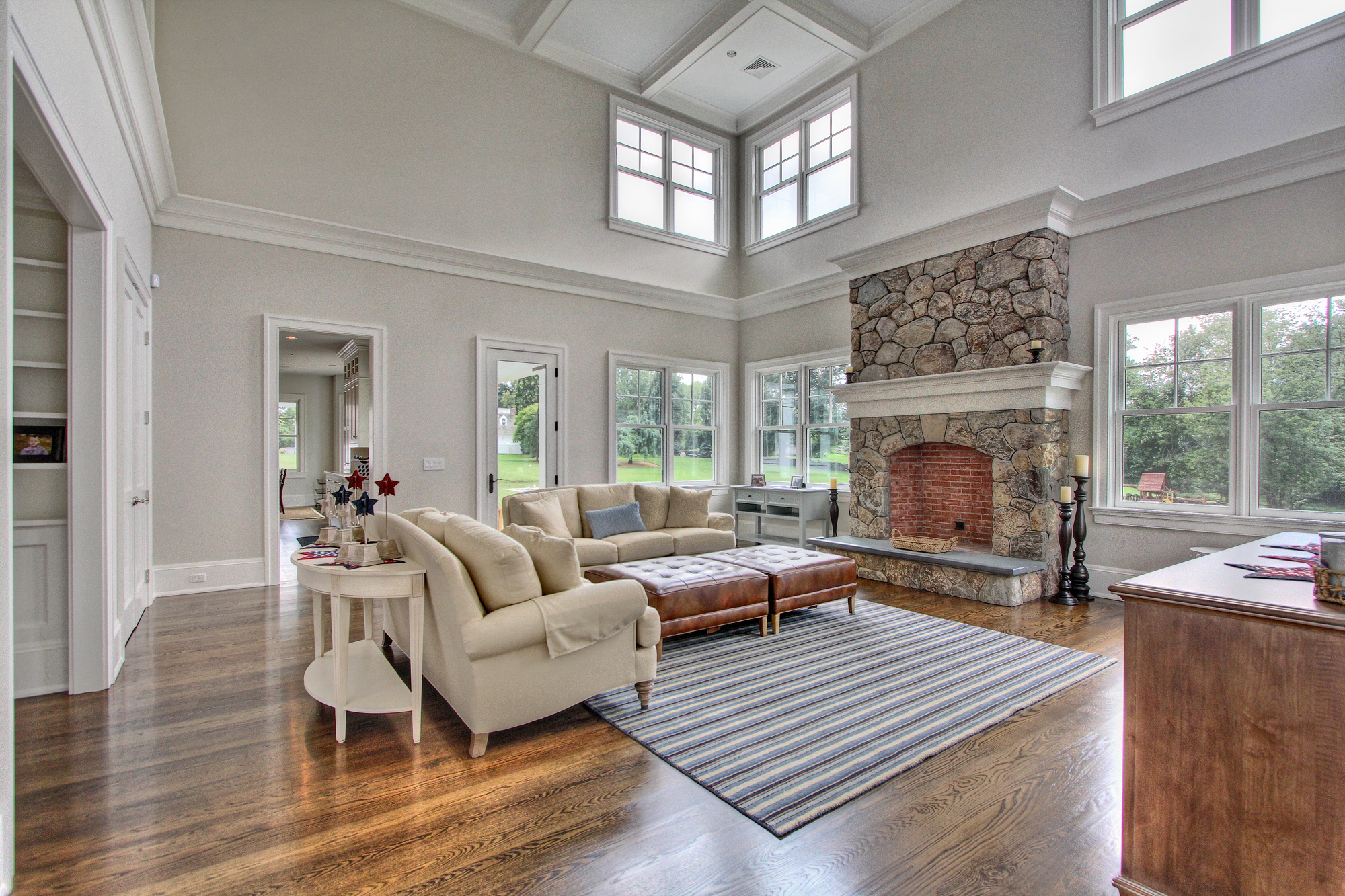 MATERIALS USED: CT FIELDSTONE, MOSAIC PHOTO CREDIT: TALLMAN SEGERSON BUILDERS