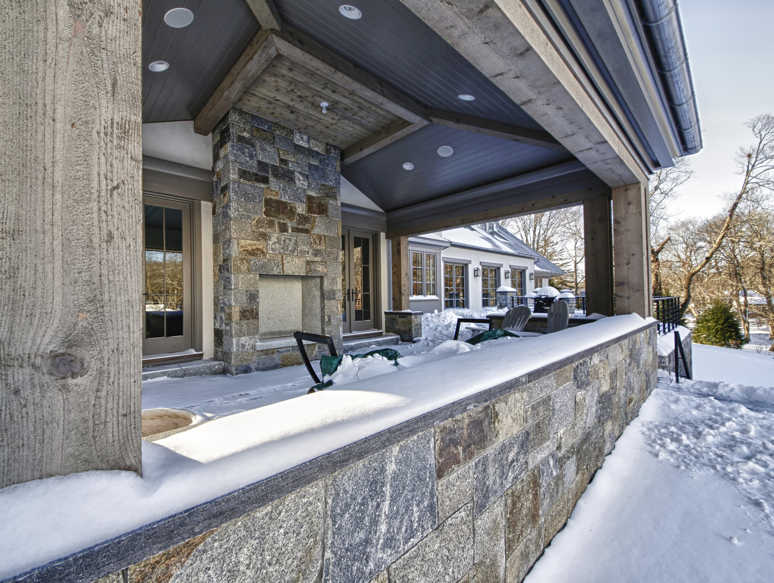 MATERIALS USED: A CUSTOM GAULT NATURAL VENEER STONE BLEND: CLAPBOARD HILL BLEND