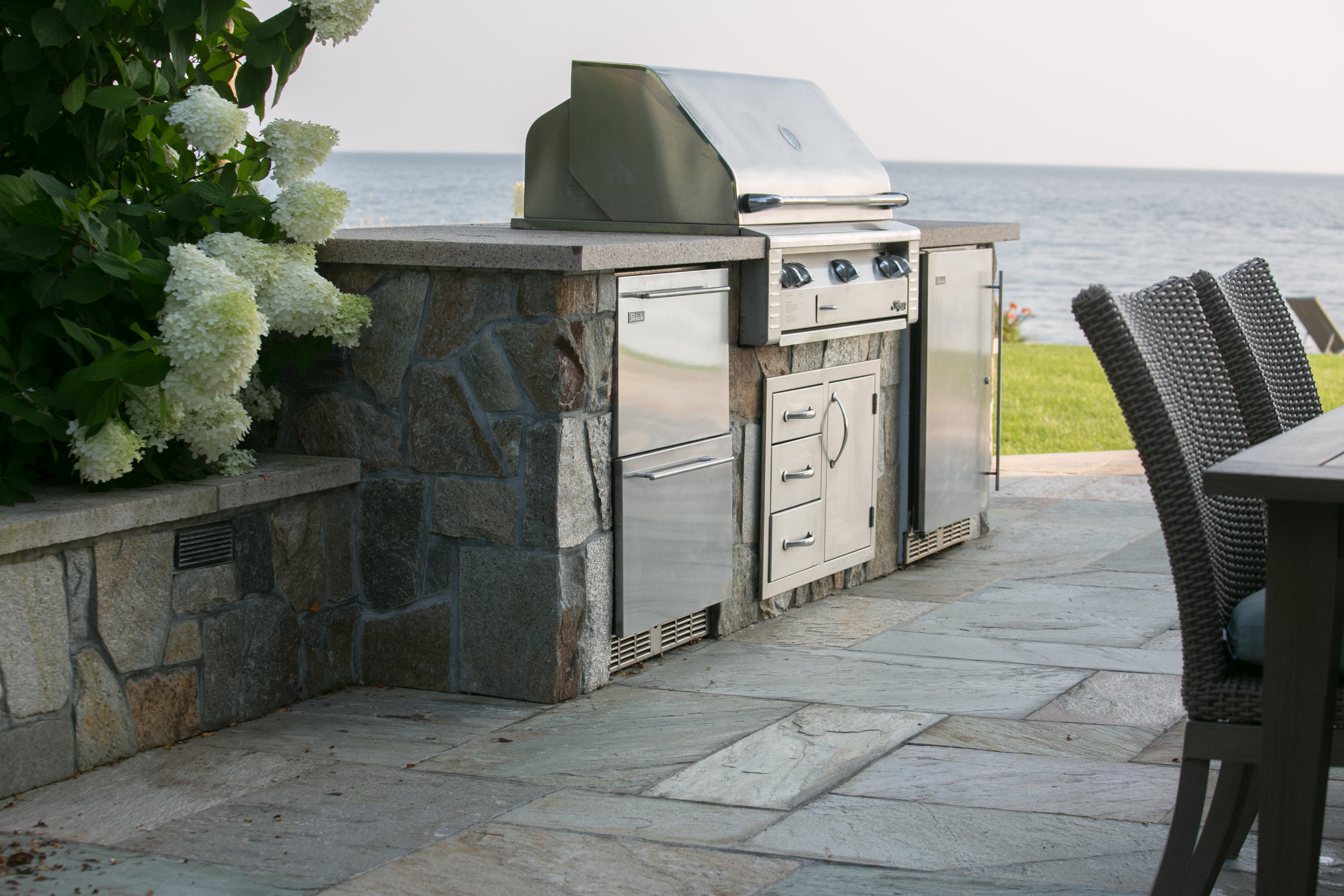 MATERIALS USED: FALMOUTH BUFF GRANITE COUNTER, OLD SPRUCE MOUNTAIN BBQ FACE