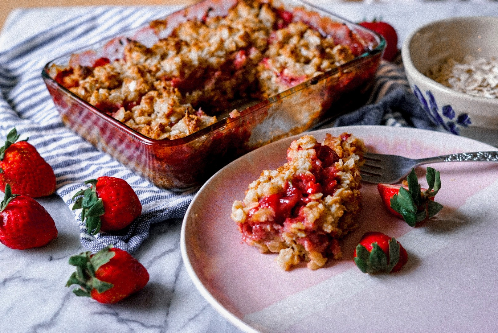 Strawberry Oat Crumble - Absolutely my top 3 favorite desserts i've ever made! Perfect for summer