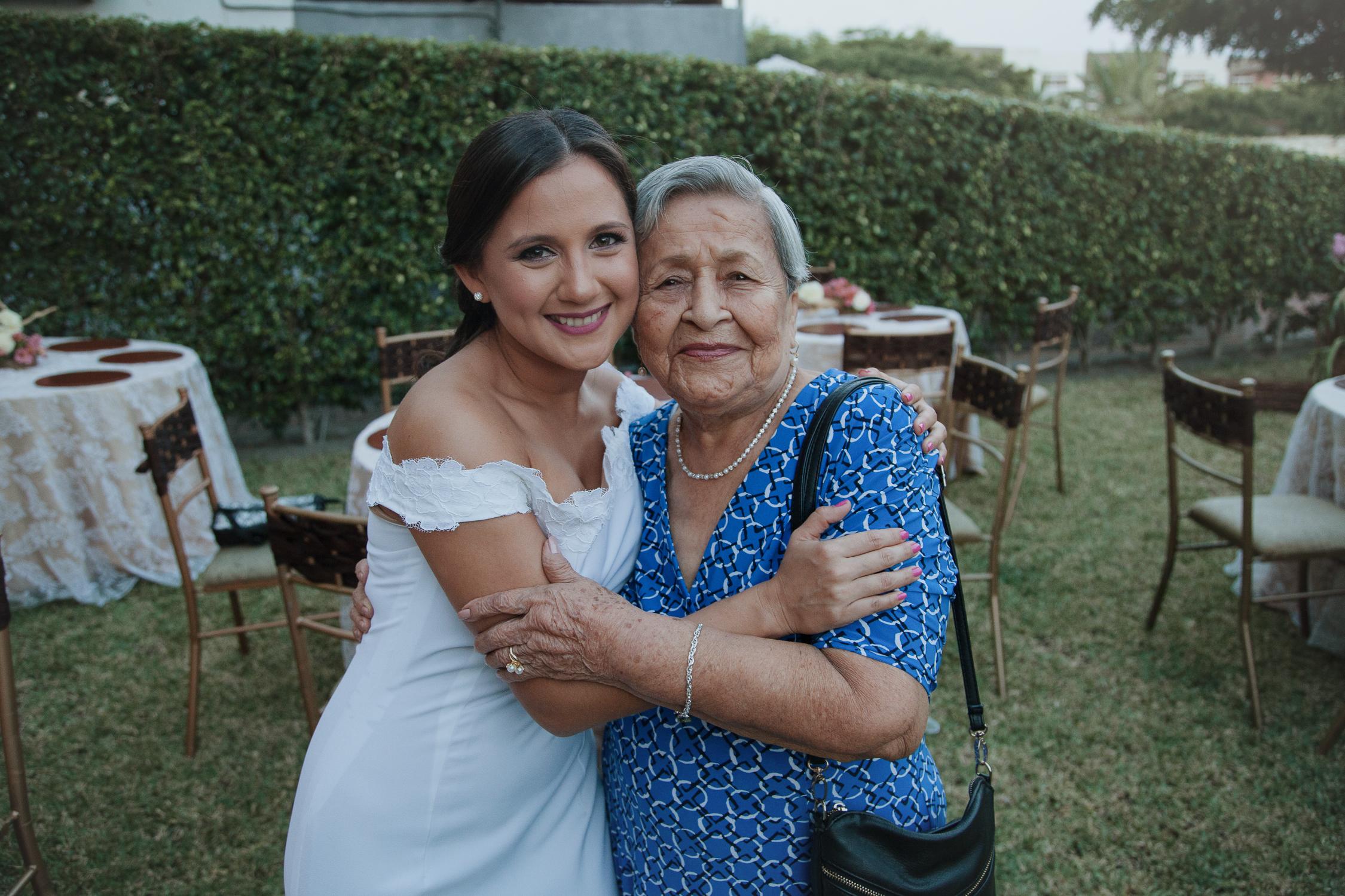 Michelle-Agurto-Fotografia-Bodas-Ecuador-Destination-Wedding-Photographer-Adriana-Allan-14.JPG