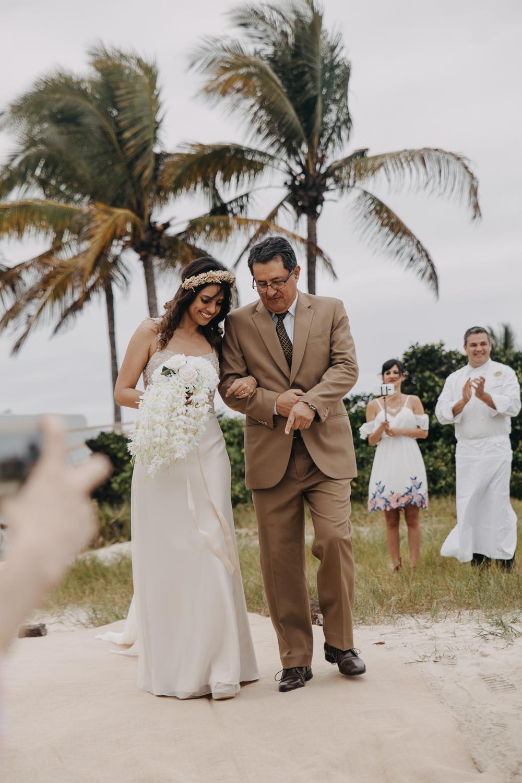 Michelle-Agurto-Fotografia-Bodas-Ecuador-Destination-Wedding-Photographer-Galapagos-Andrea-Joaquin-71.JPG