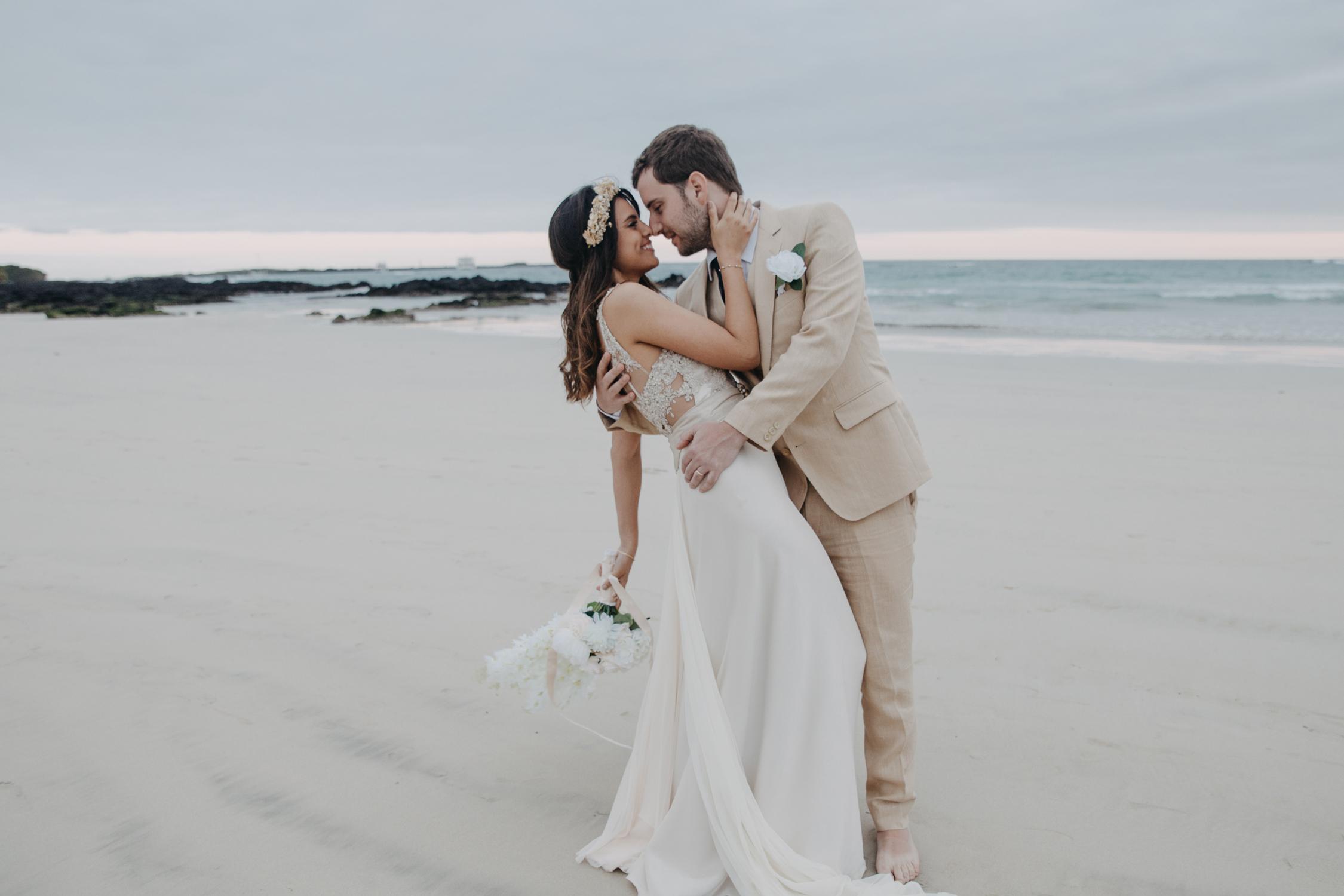 Michelle-Agurto-Fotografia-Bodas-Ecuador-Destination-Wedding-Photographer-Galapagos-Andrea-Joaquin-193.JPG