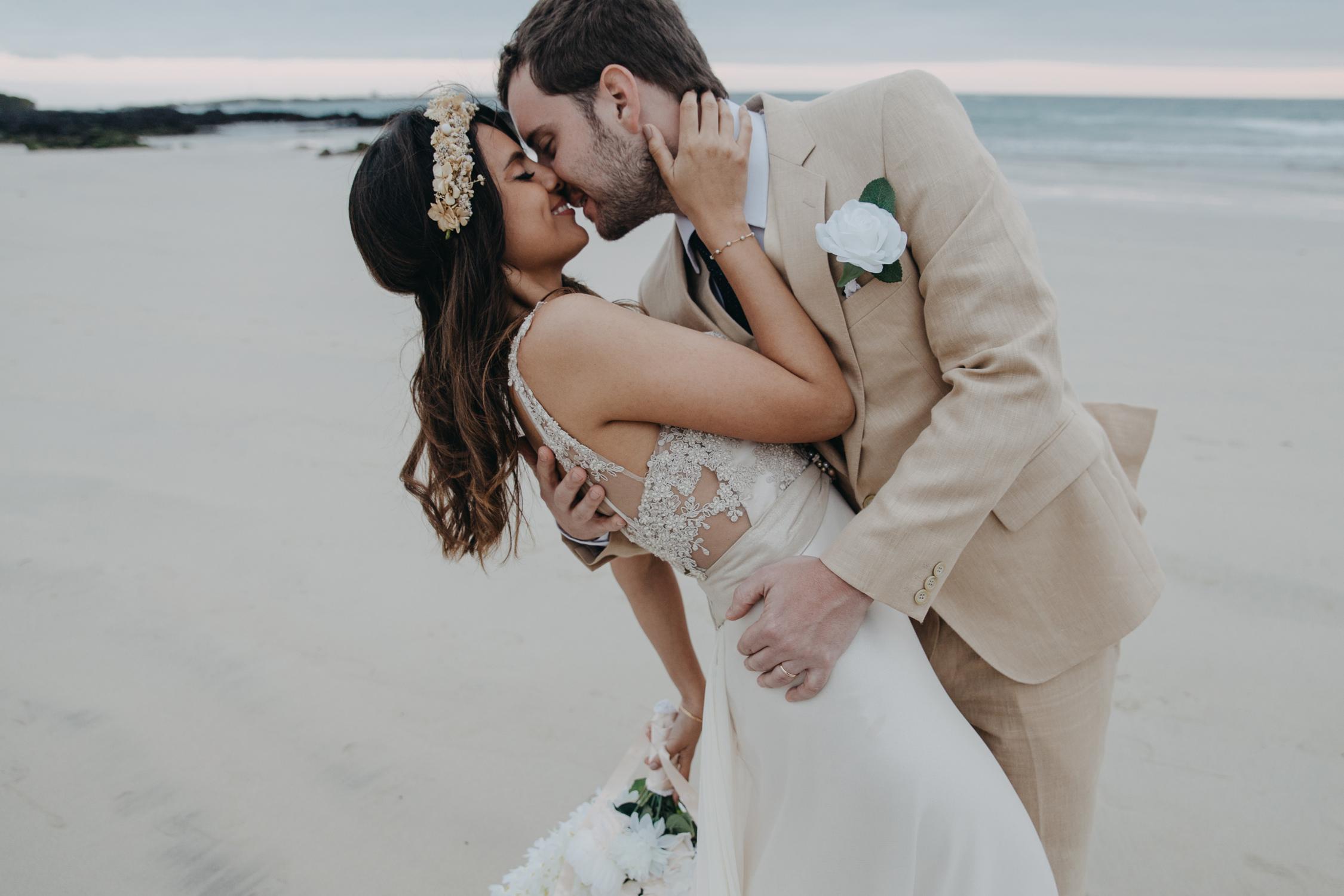 Michelle-Agurto-Fotografia-Bodas-Ecuador-Destination-Wedding-Photographer-Galapagos-Andrea-Joaquin-197.JPG