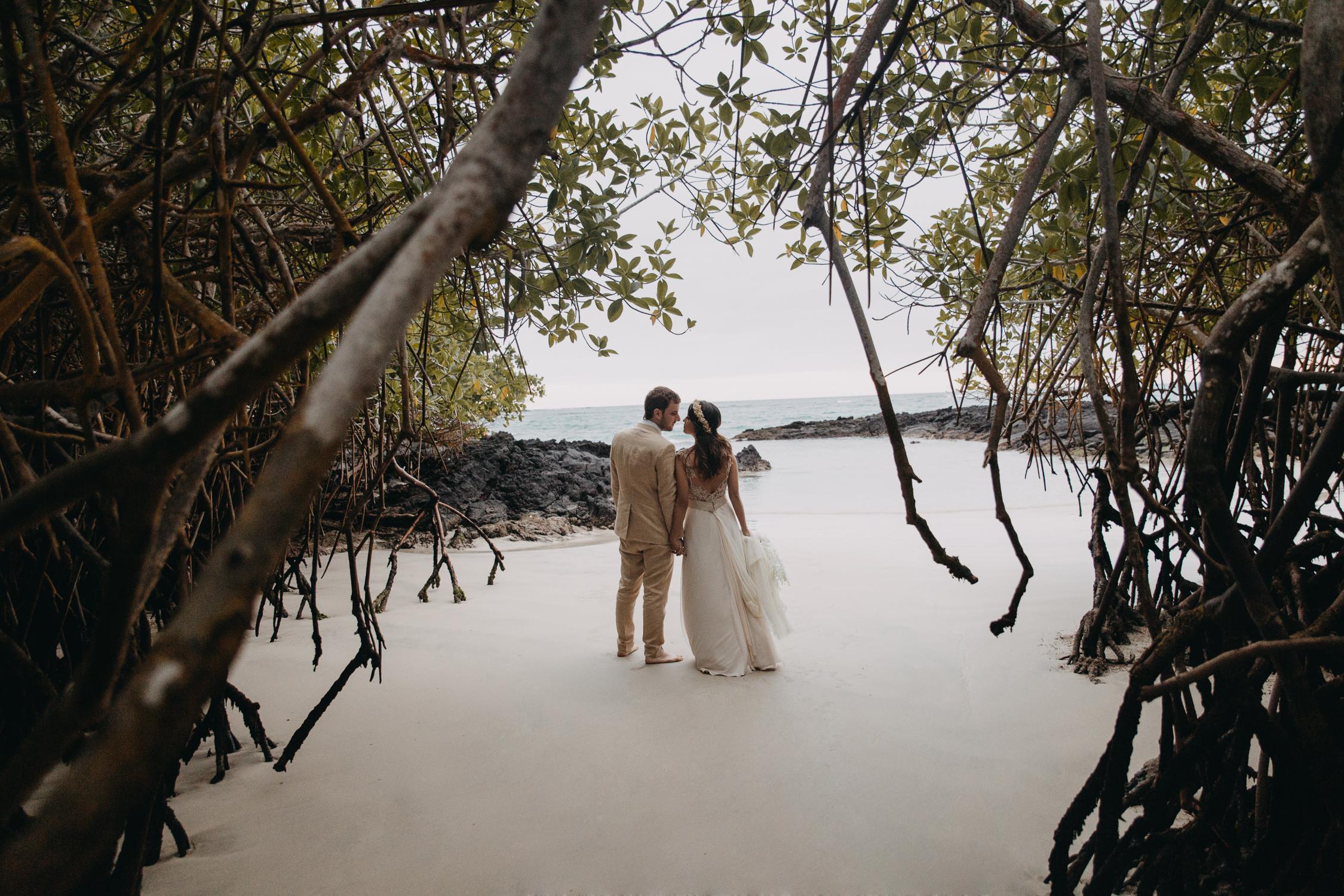 Michelle-Agurto-Fotografia-Bodas-Ecuador-Destination-Wedding-Photographer-Galapagos-Andrea-Joaquin-223.JPG