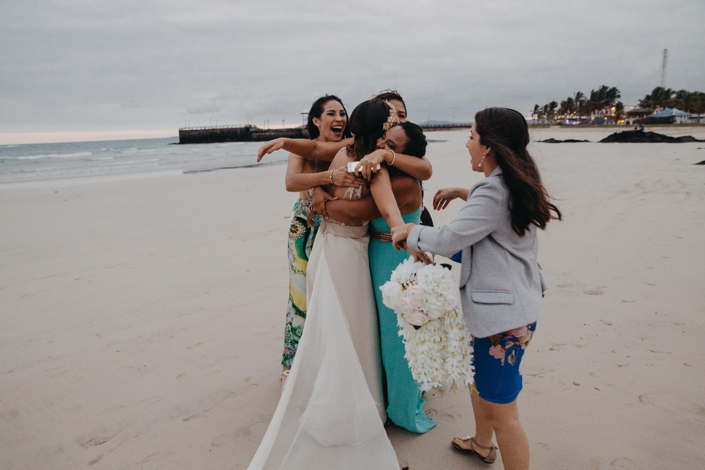 Michelle-Agurto-Fotografia-Bodas-Ecuador-Destination-Wedding-Photographer-Galapagos-Andrea-Joaquin-274.JPG