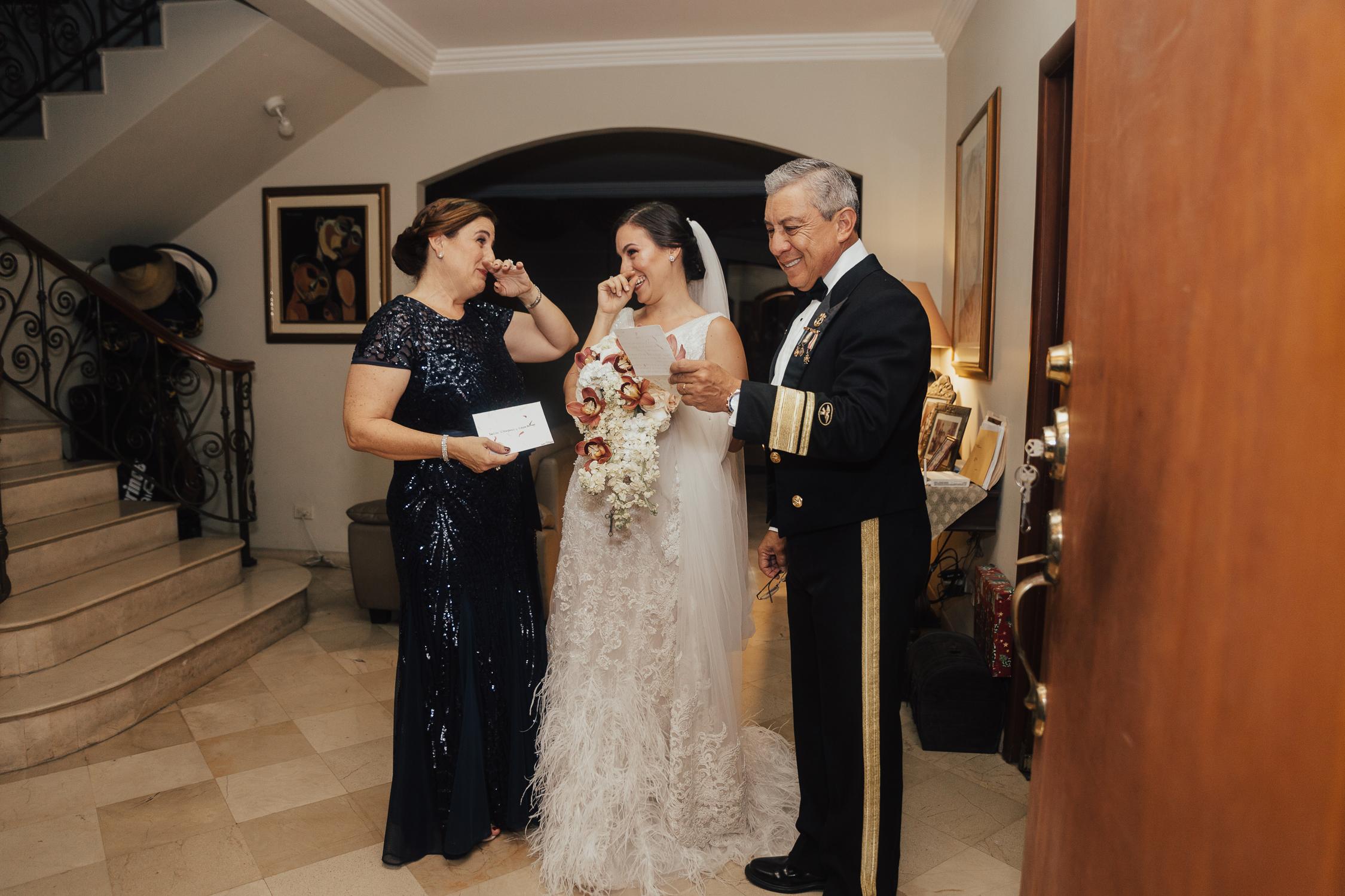 Michelle-Agurto-Fotografia-Bodas-Ecuador-Destination-Wedding-Photographer-Ecuador-Mercedes-Alvaro-44.JPG