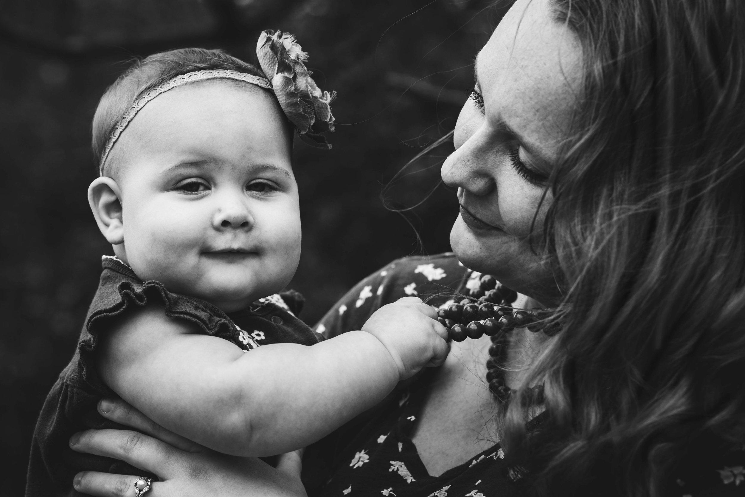 Kalamazoo-Mother-Photogrpahy-Amanda-Schwab-Photography.jpg