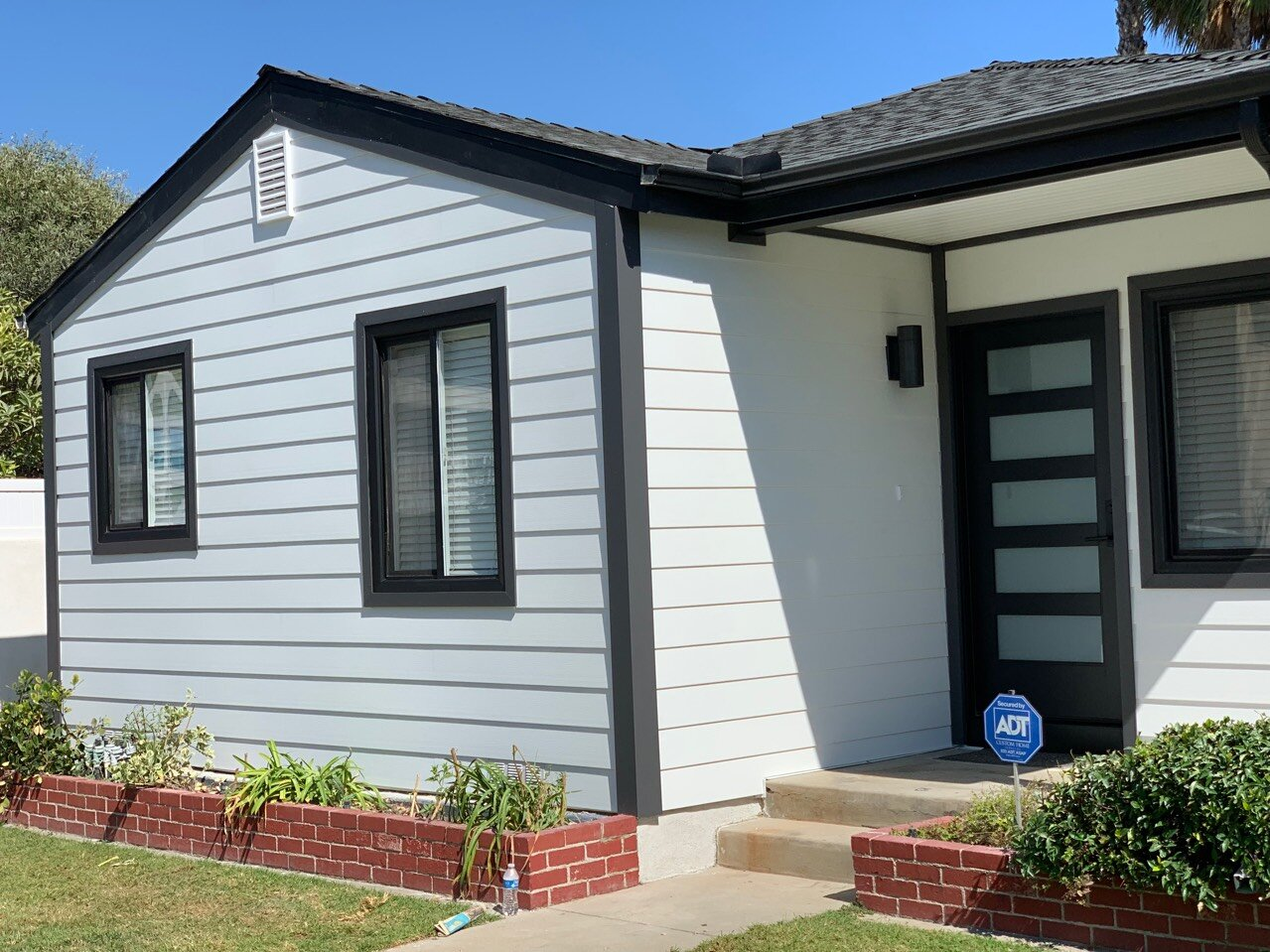 Celect Cellular Composite Siding  Seal Beach, CA
