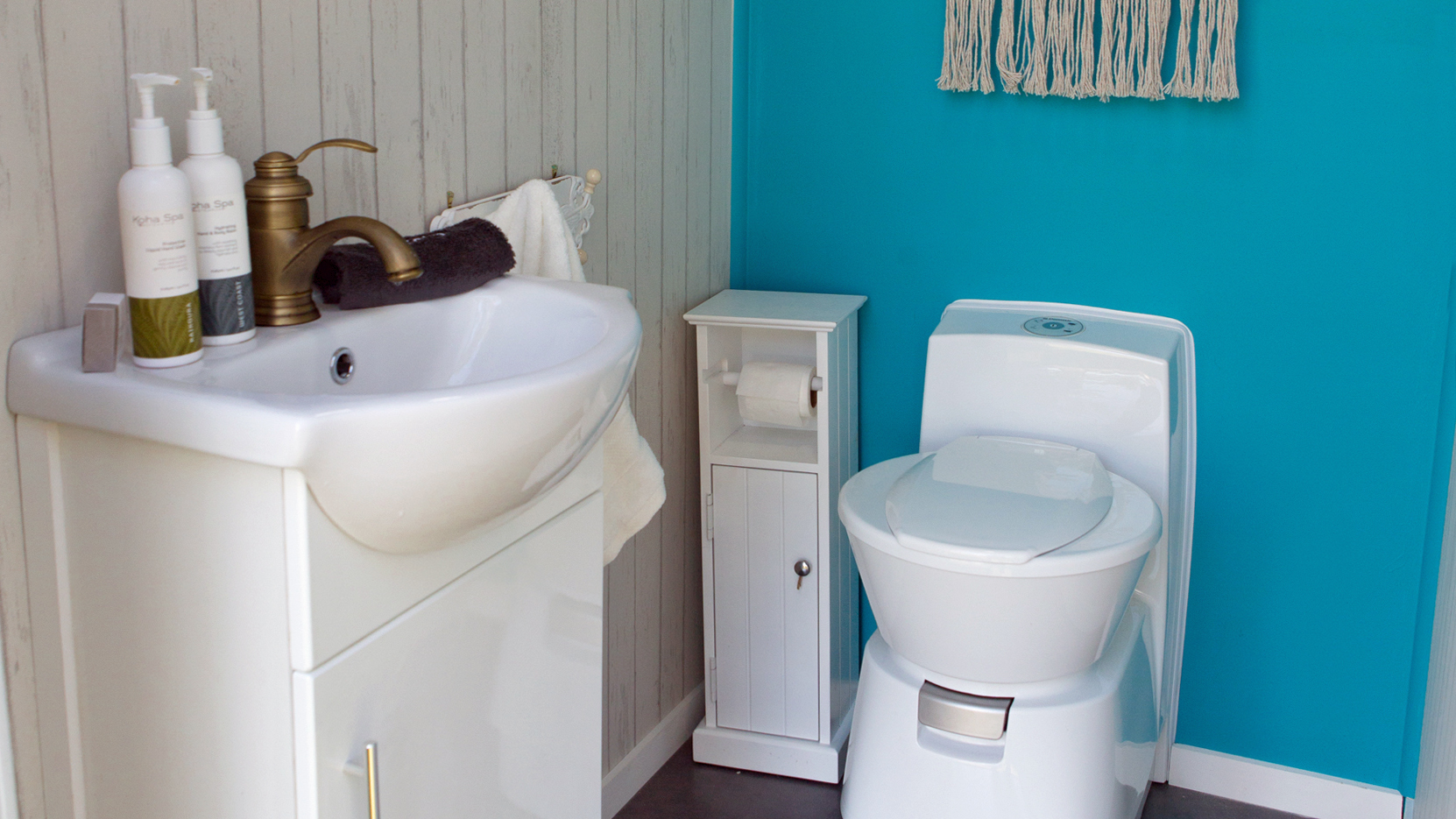 Just Hitched Glamping Bathroom Unit