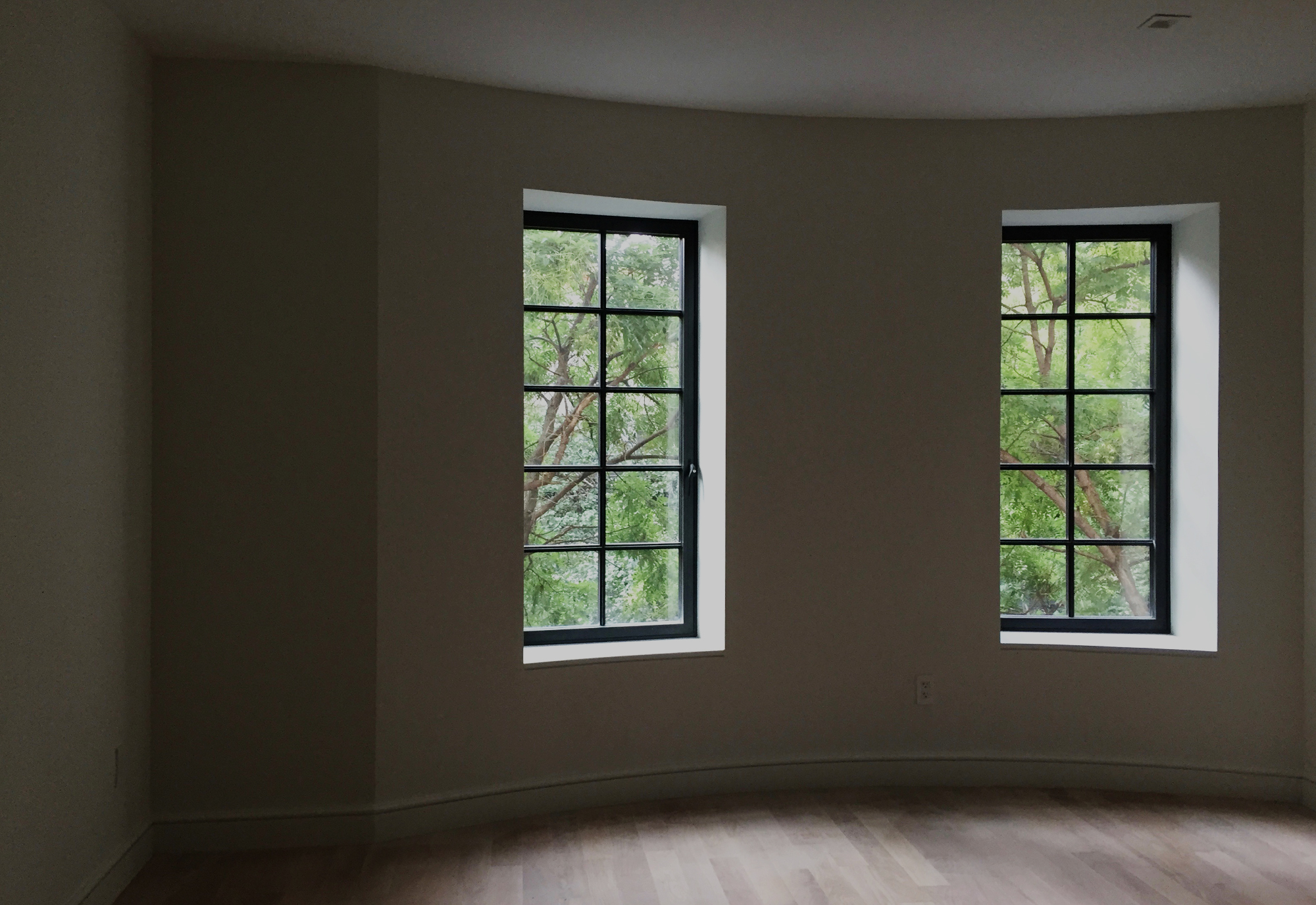 Windows at 245 E 78 Alt.jpg