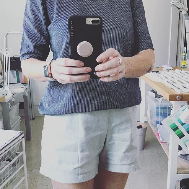 New shorts and top for a scorching summer day! . . . . #closetcasepatterns #pietrashorts #grainlinestudio modified #scouttee #sewingtall #memade