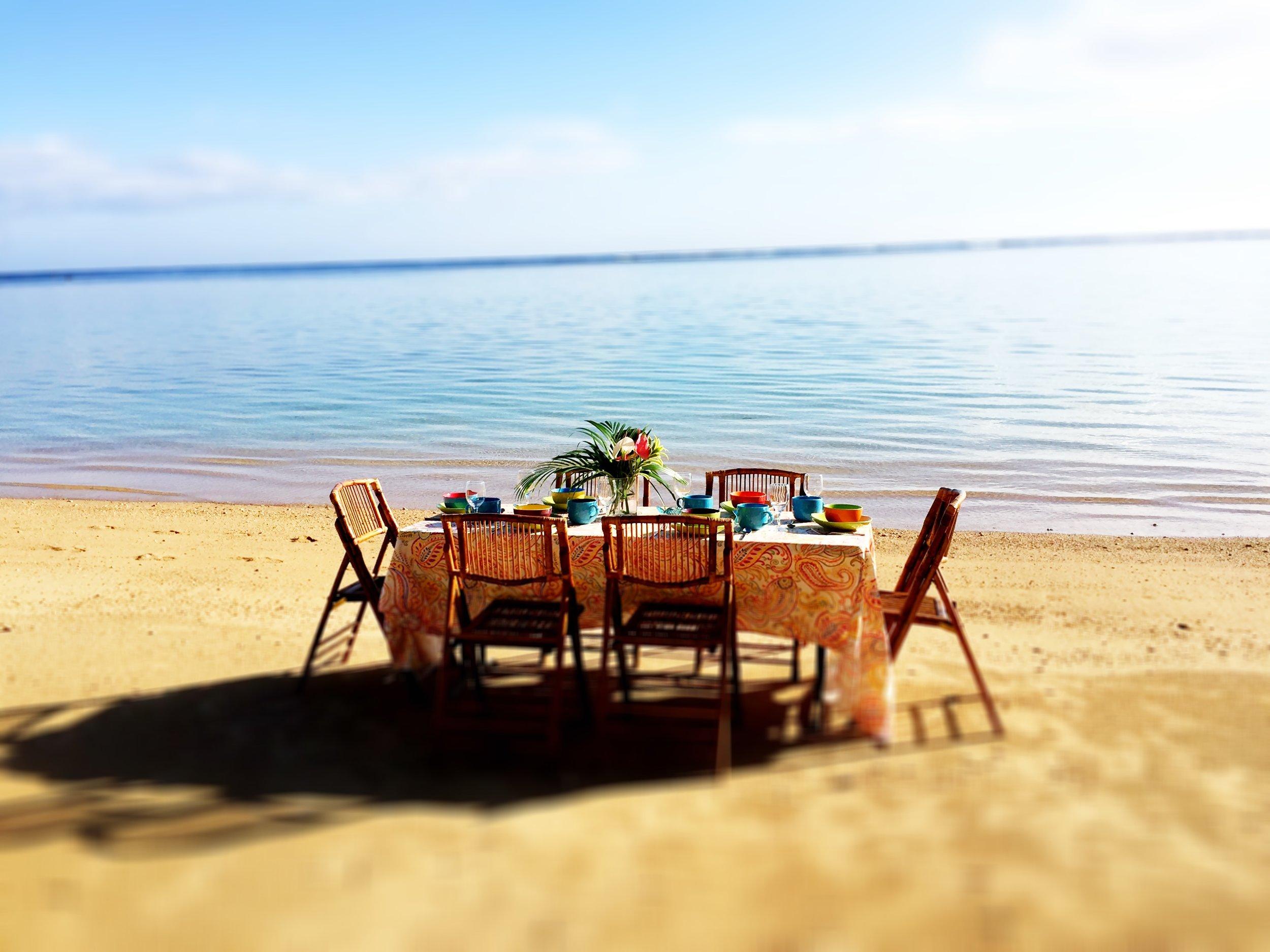 Anini Table midrange blur.jpg