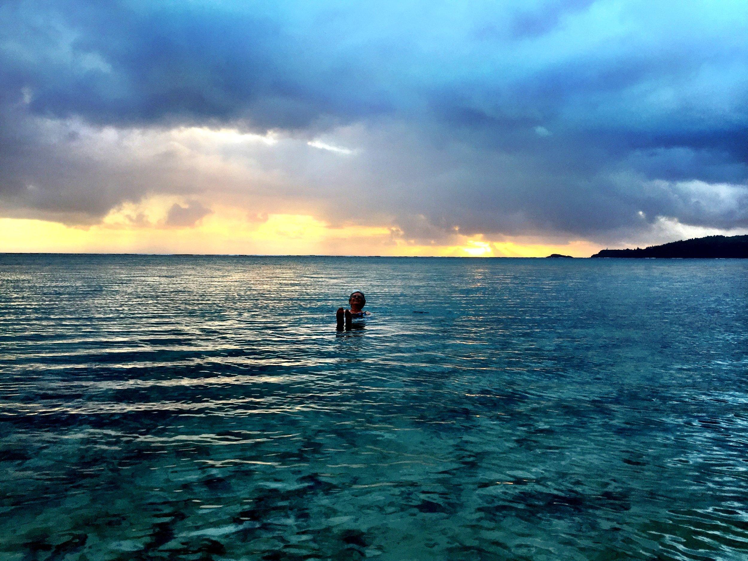 Sunrise swim at Anini Beach