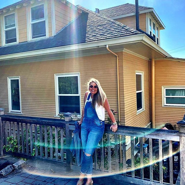 Today I went down memory lane and visited my old house in #sausalitocalifornia - oh how I loved living here #sausalito #bridgeway #boholife #boholifestyle #lifeisgood #homesweethome #liveisanadventure #happydays #happytimes #happy #chasinghappiness #chasingbeauty