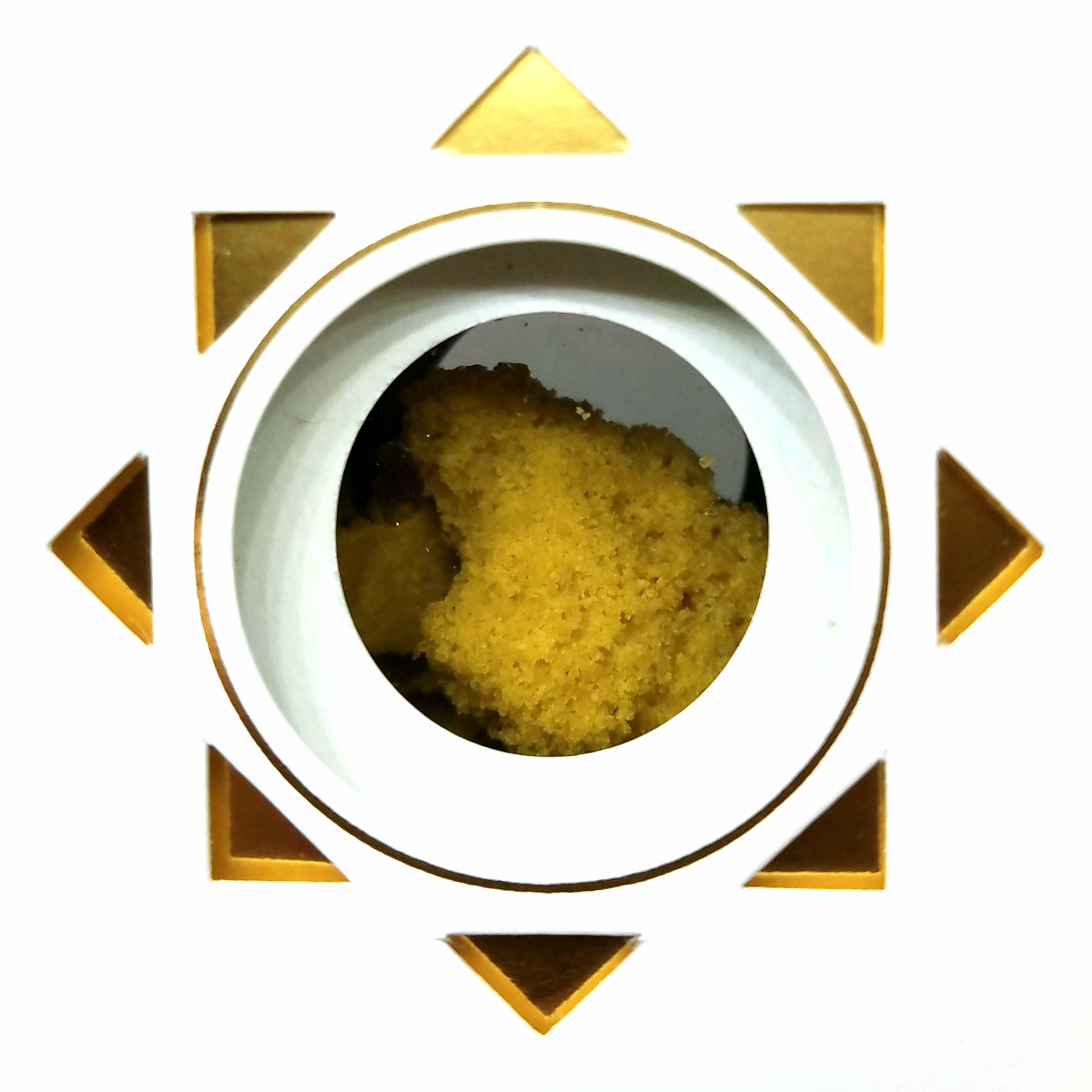 Fruit Bomb crumble extract produced by Apollo Grown