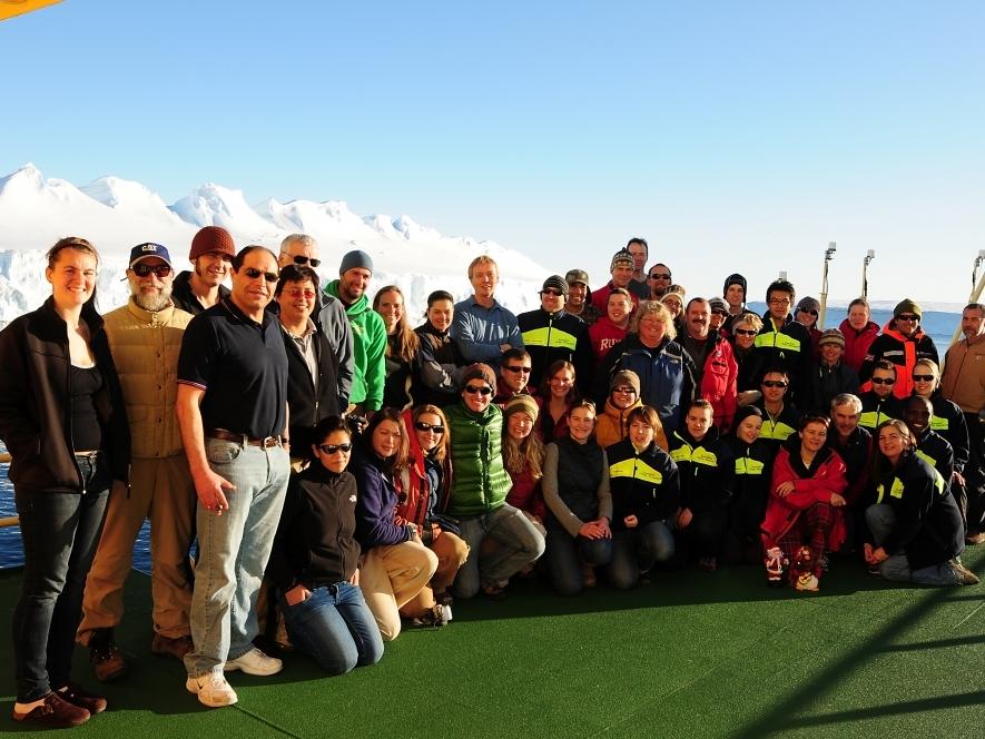 The Amundsen Sea Polynya International Research Expedition (ASPIRE) Team