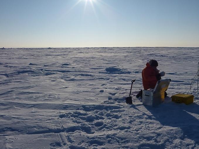 Configuring an Ice Mass Balance Buoy.
