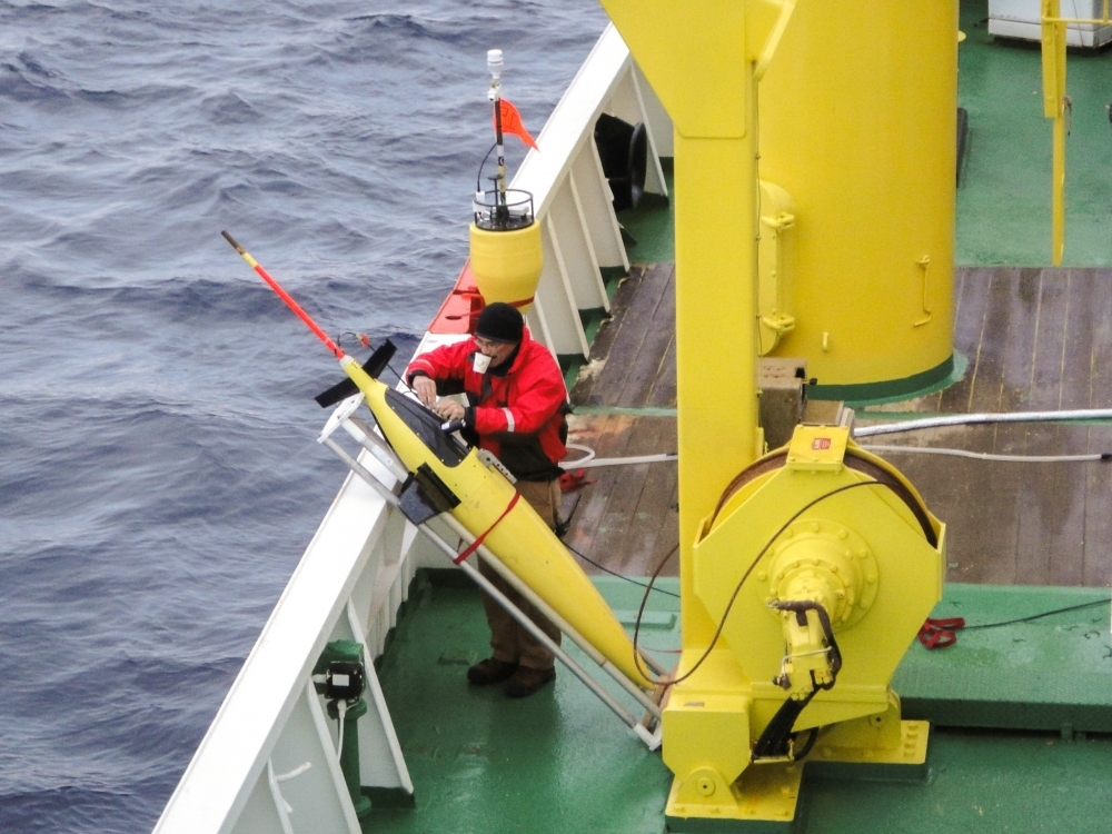Preparing a Seaglider for deployment from the Korean Polar Research Institute's IBRV Araon.