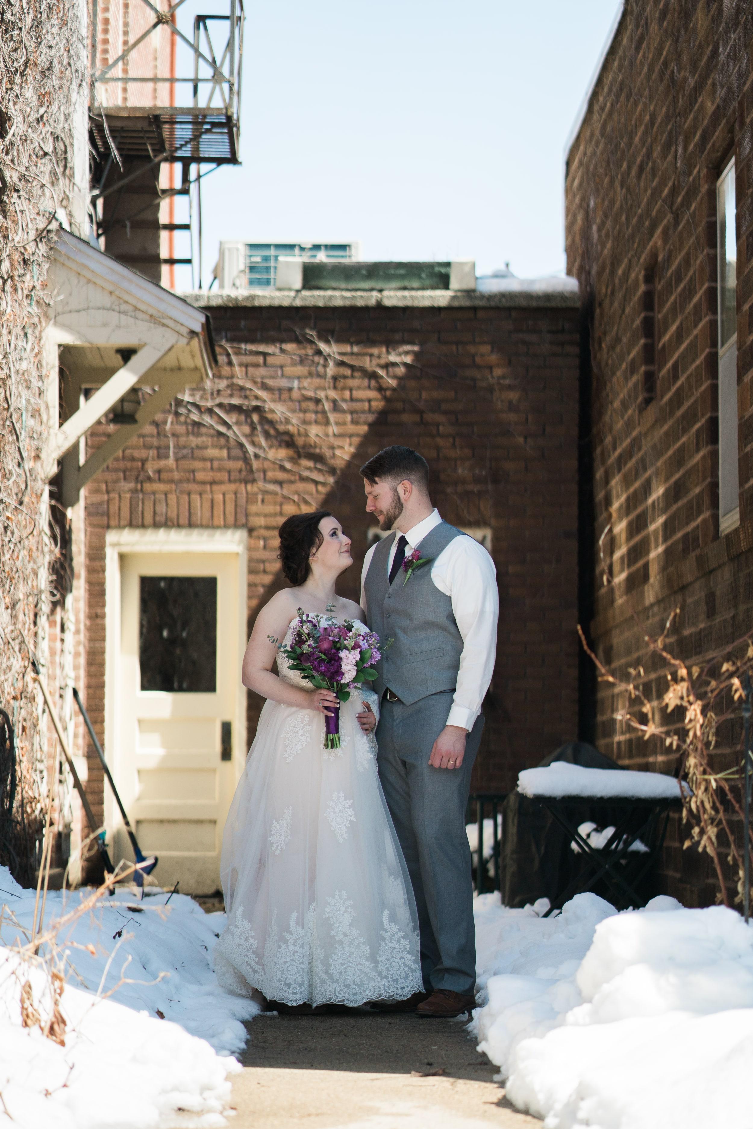 snowy-intimate-wedding-13.jpg