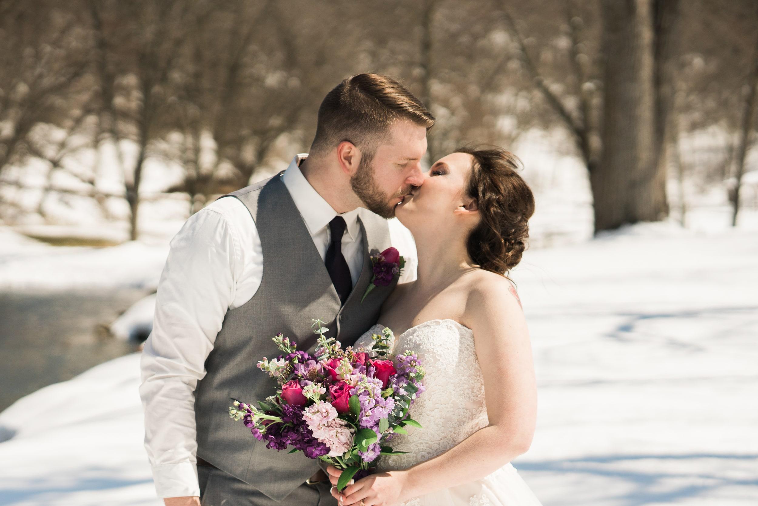 snowy-intimate-wedding-21.jpg