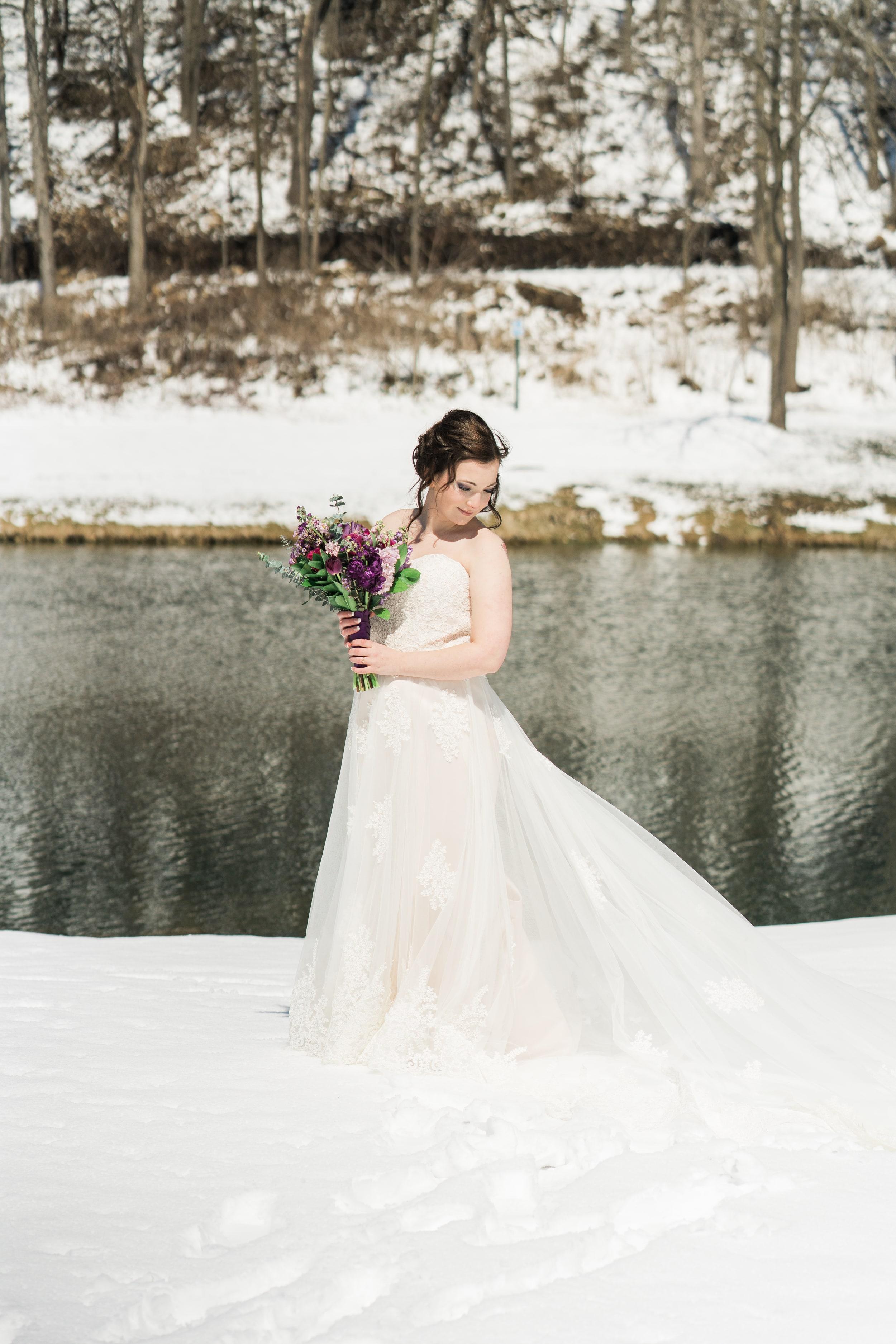 snowy-intimate-wedding-24.jpg