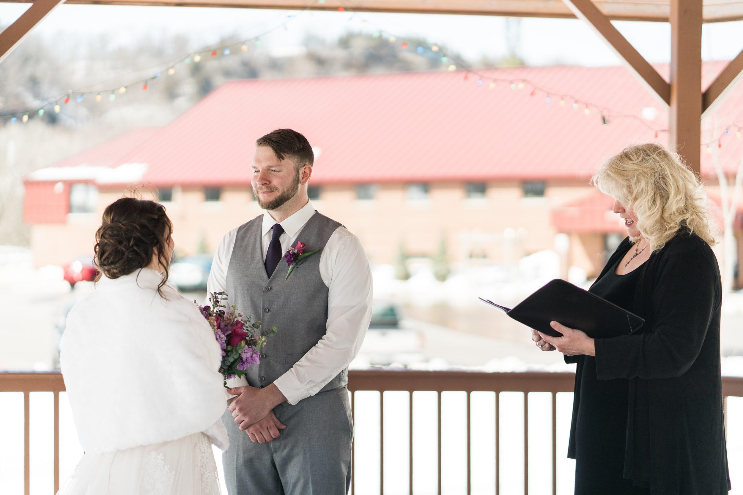 snowy-intimate-wedding-28.jpg