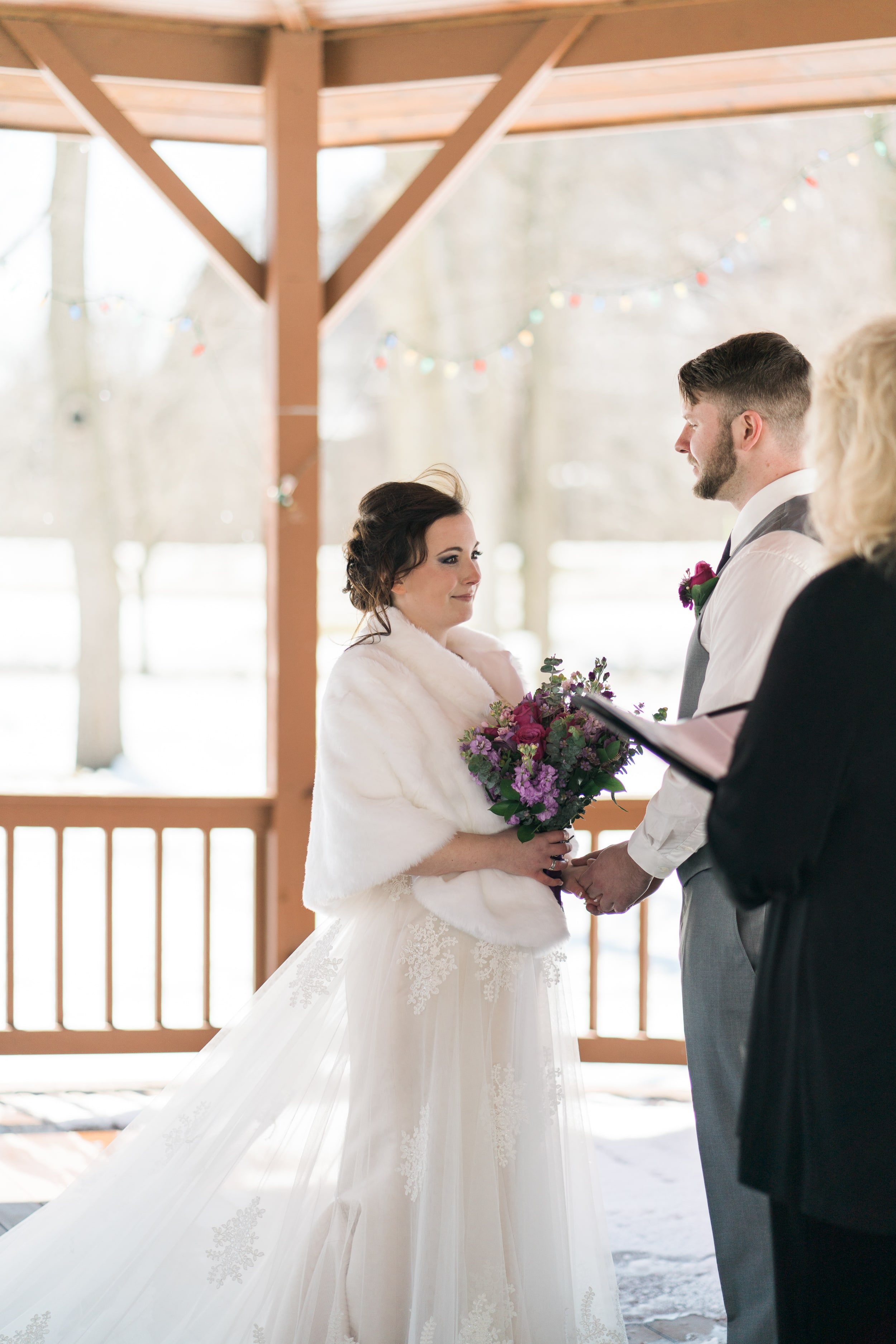 snowy-intimate-wedding-29.jpg