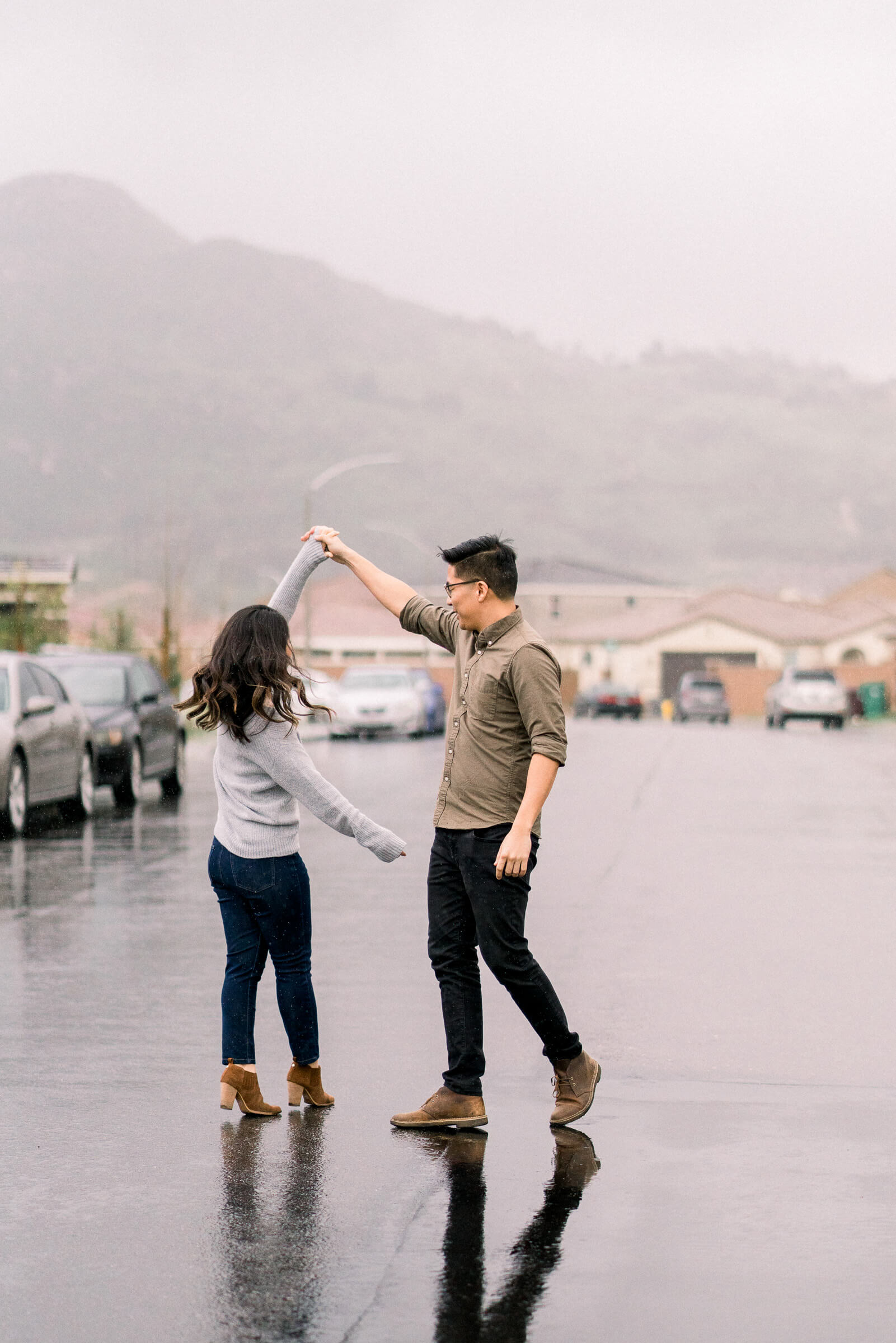 rainy-surprise-proposal-8.jpg