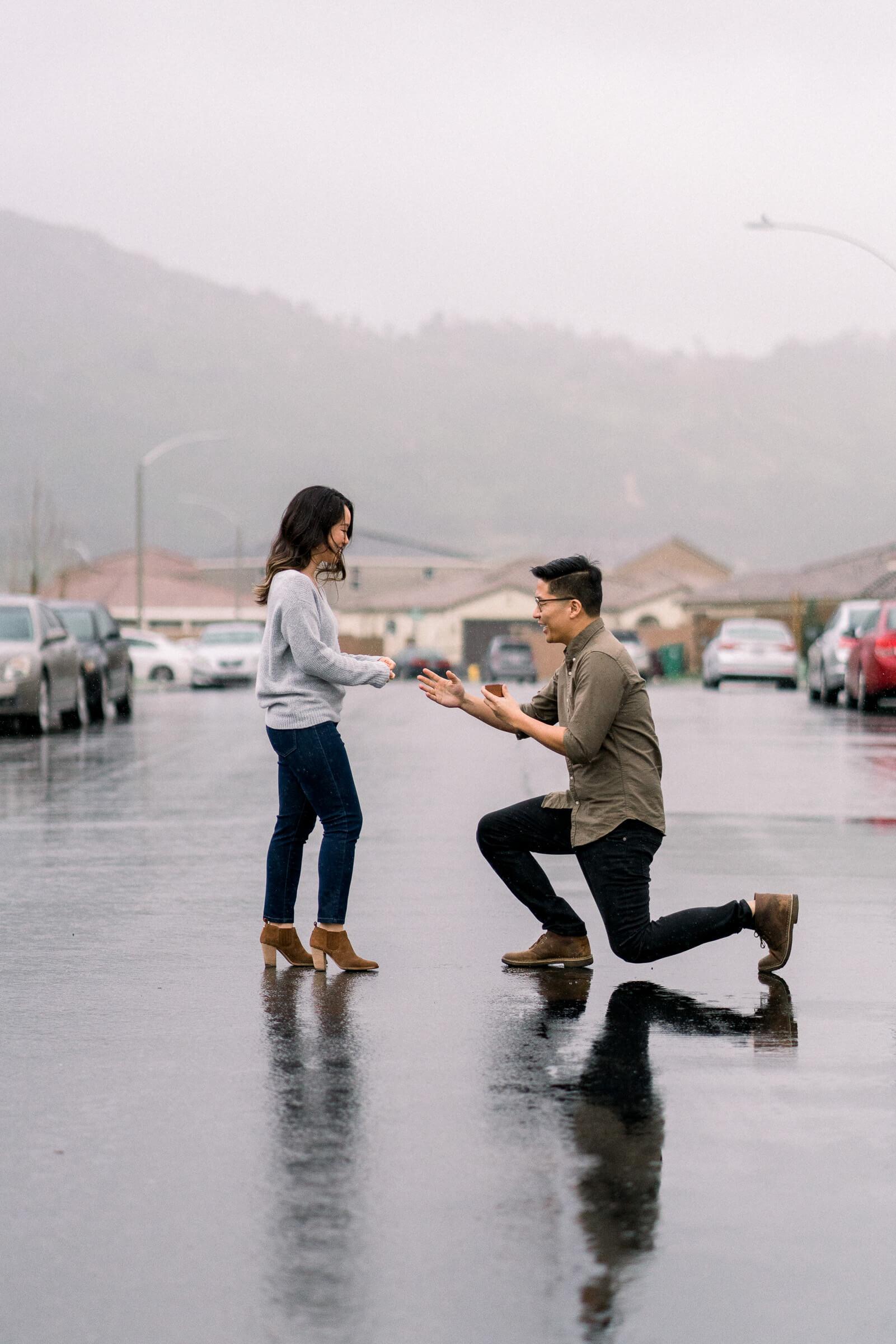 rainy-surprise-proposal-15.jpg