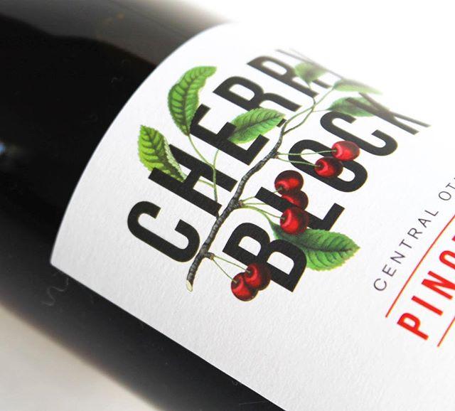 #CherryBlock 🍒◼️🍷 . #nzwine #cherryblockwine #centralotago #pinotnoir #wine #cherry #newzealand #antipodeansommelier #sommelier #spicy #lush #orchards #vineyard #winelabel #brand #premium #finewine #special #winery #winestagram #winetime #lovewine #winebottle