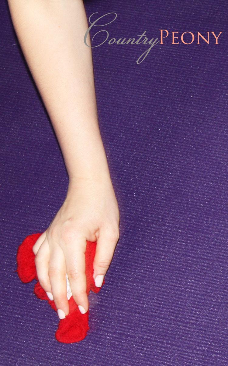 homemade yoga mat cleaner